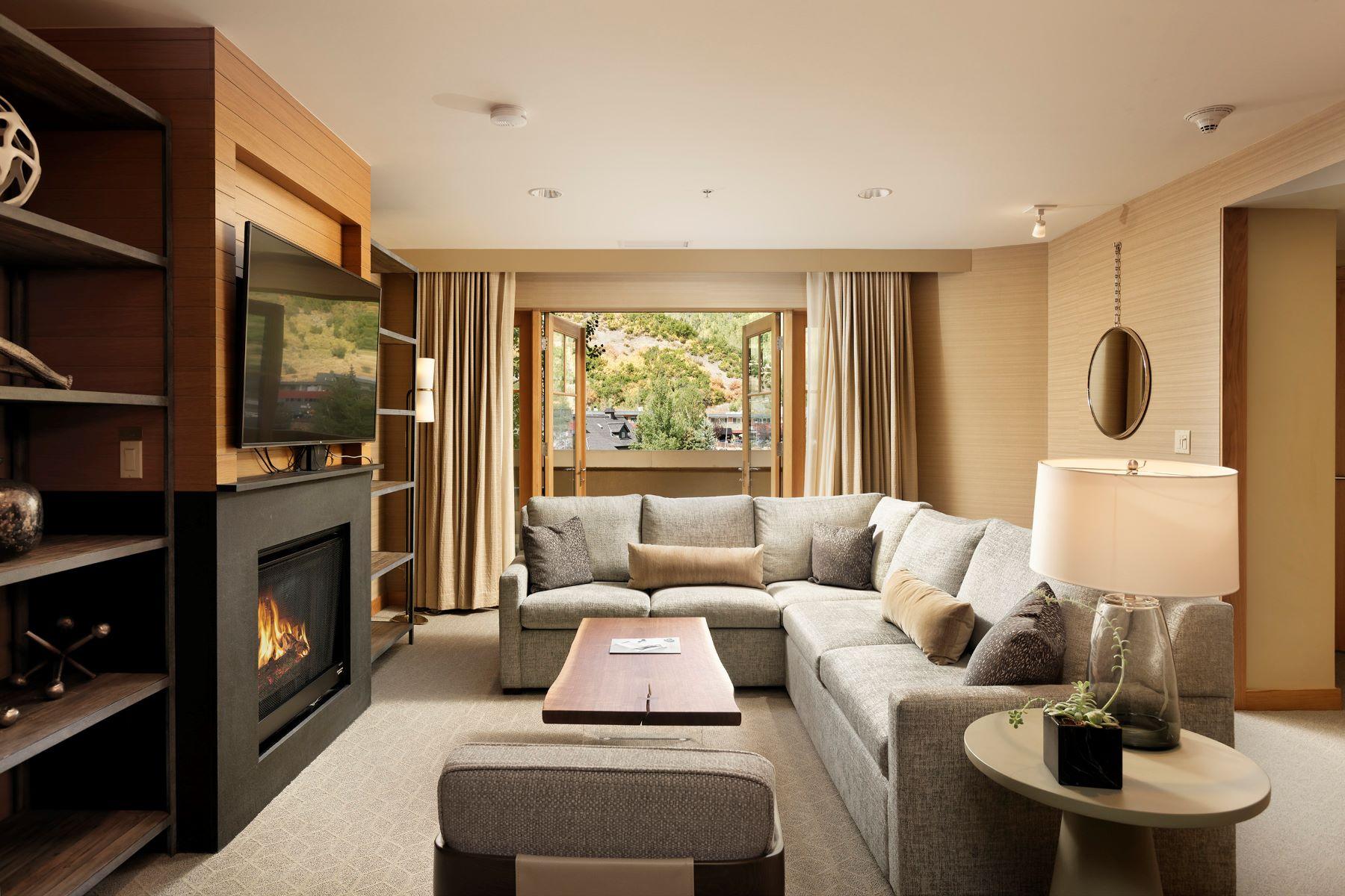 Condominiums для того Продажа на 4 Bedroom Luxury Ski-in/Ski-out Condo 130 Wood Road, Unit 214, Snowmass Village, Колорадо 81615 Соединенные Штаты