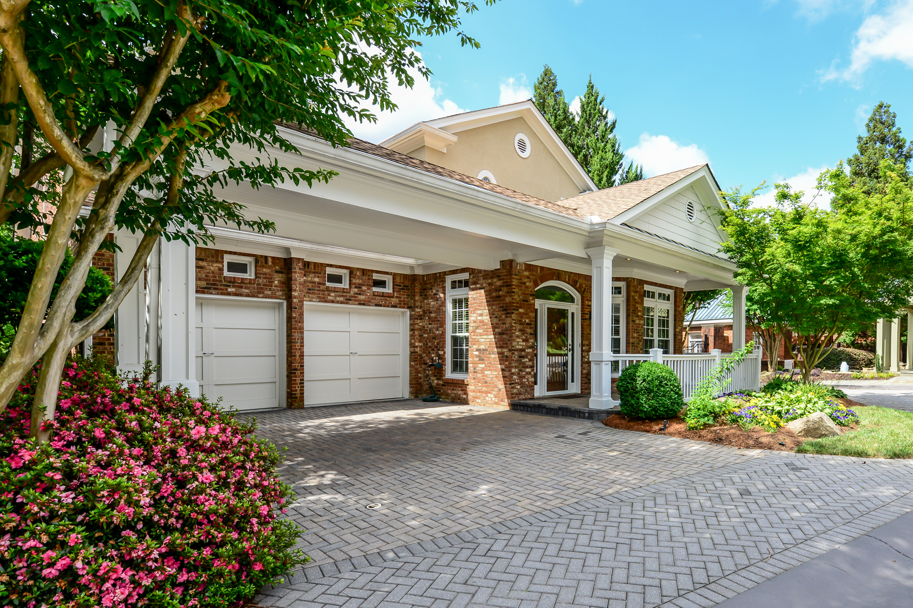 獨棟家庭住宅 為 出售 在 Buckhead/Brookhaven One Level Living 1041 Arbor Trace NE Atlanta, 喬治亞州, 30319 美國