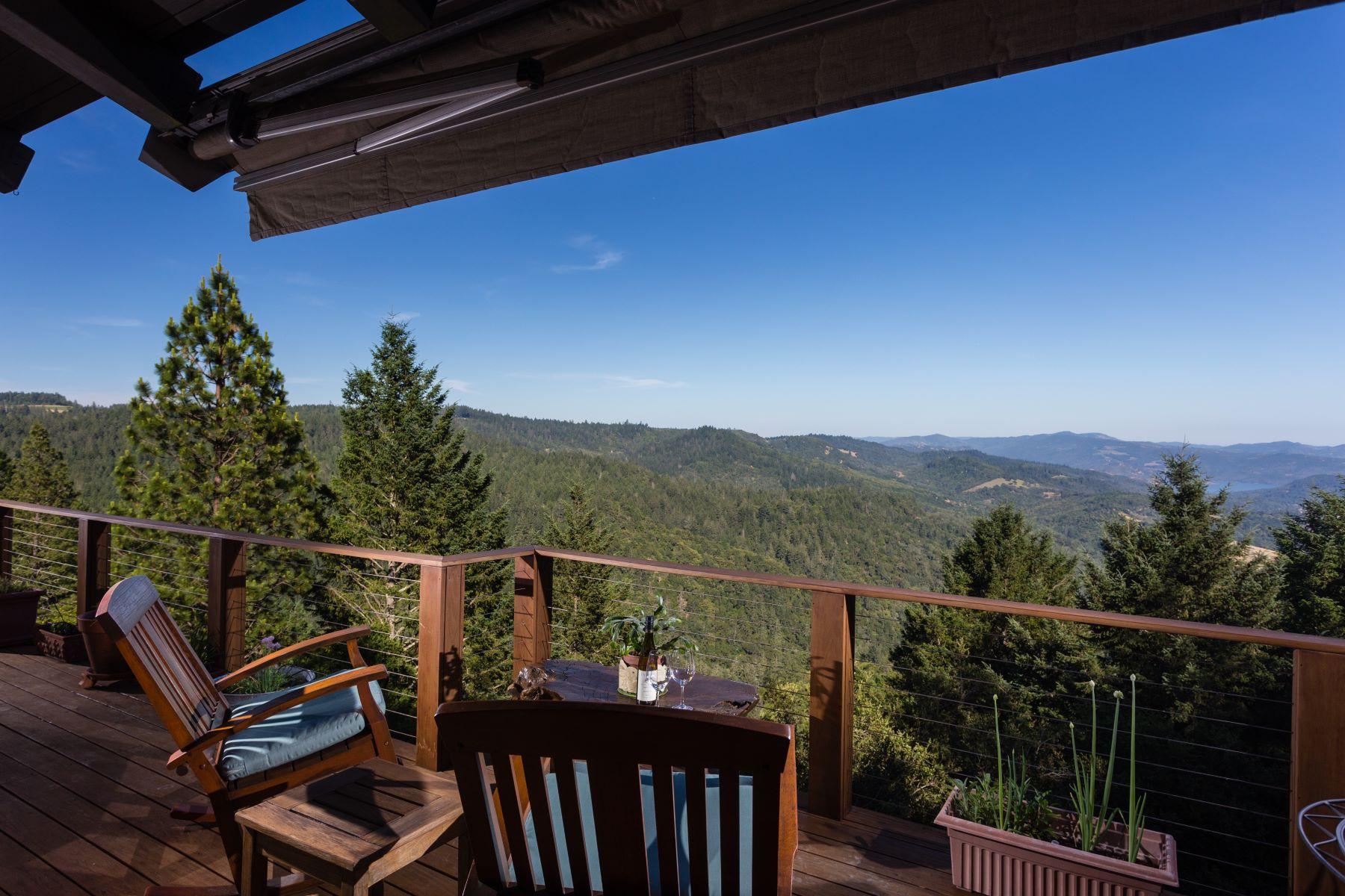 Casa Unifamiliar por un Venta en Stunning View Property 1325 Crestmont Drive Angwin, California 94508 Estados Unidos