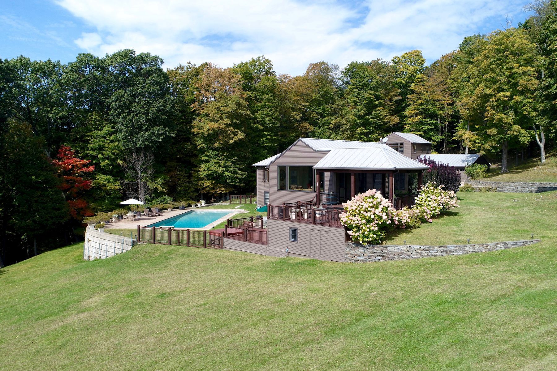 Additional photo for property listing at Distant Views 35 Old Gordon Farm Road Ancram, New York 12502 United States