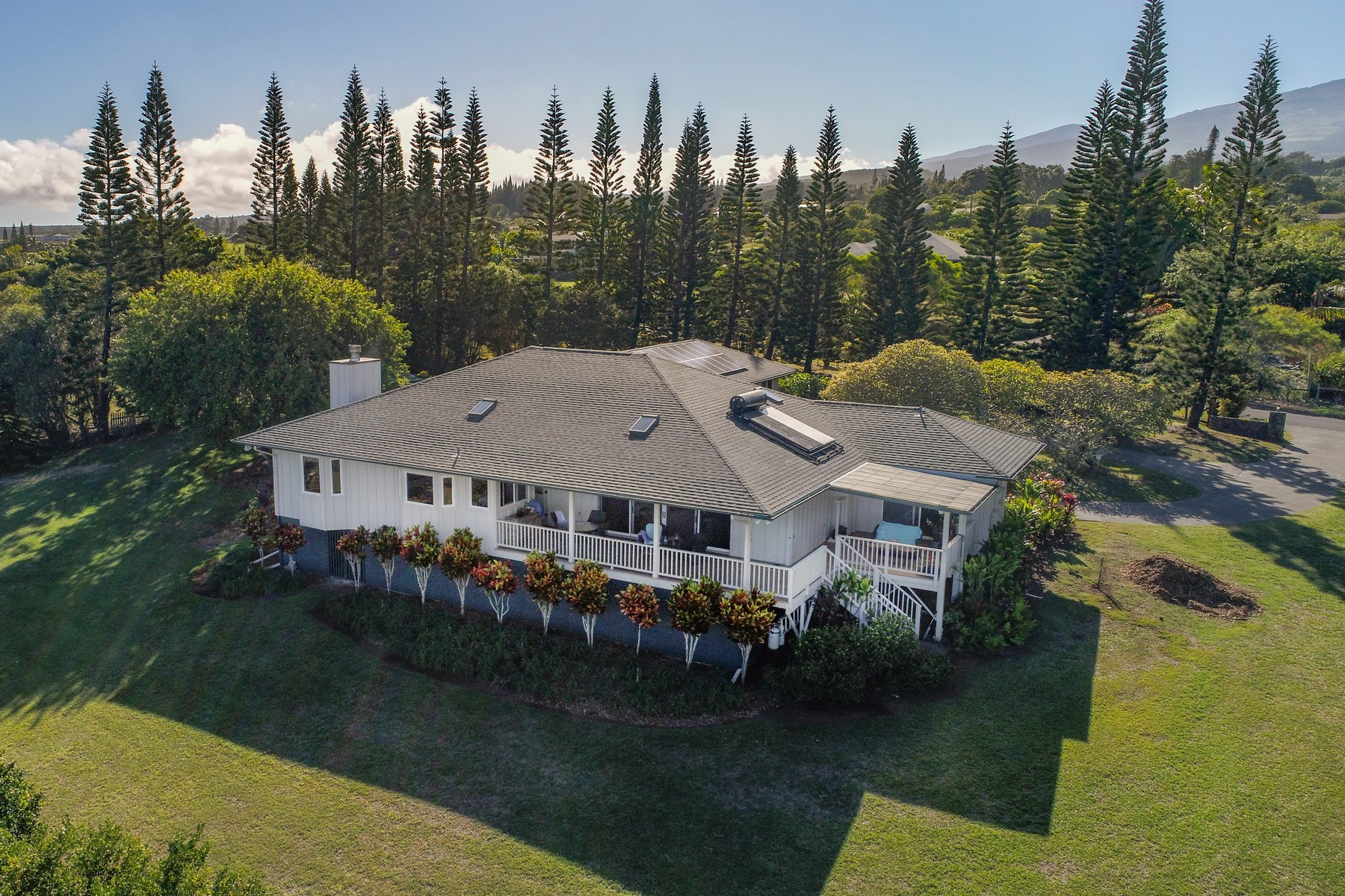 Single Family Homes 為 出售 在 Magnificent View From This Haiku Estate 182 Uakoko Pl, Haiku, 夏威夷 96708 美國