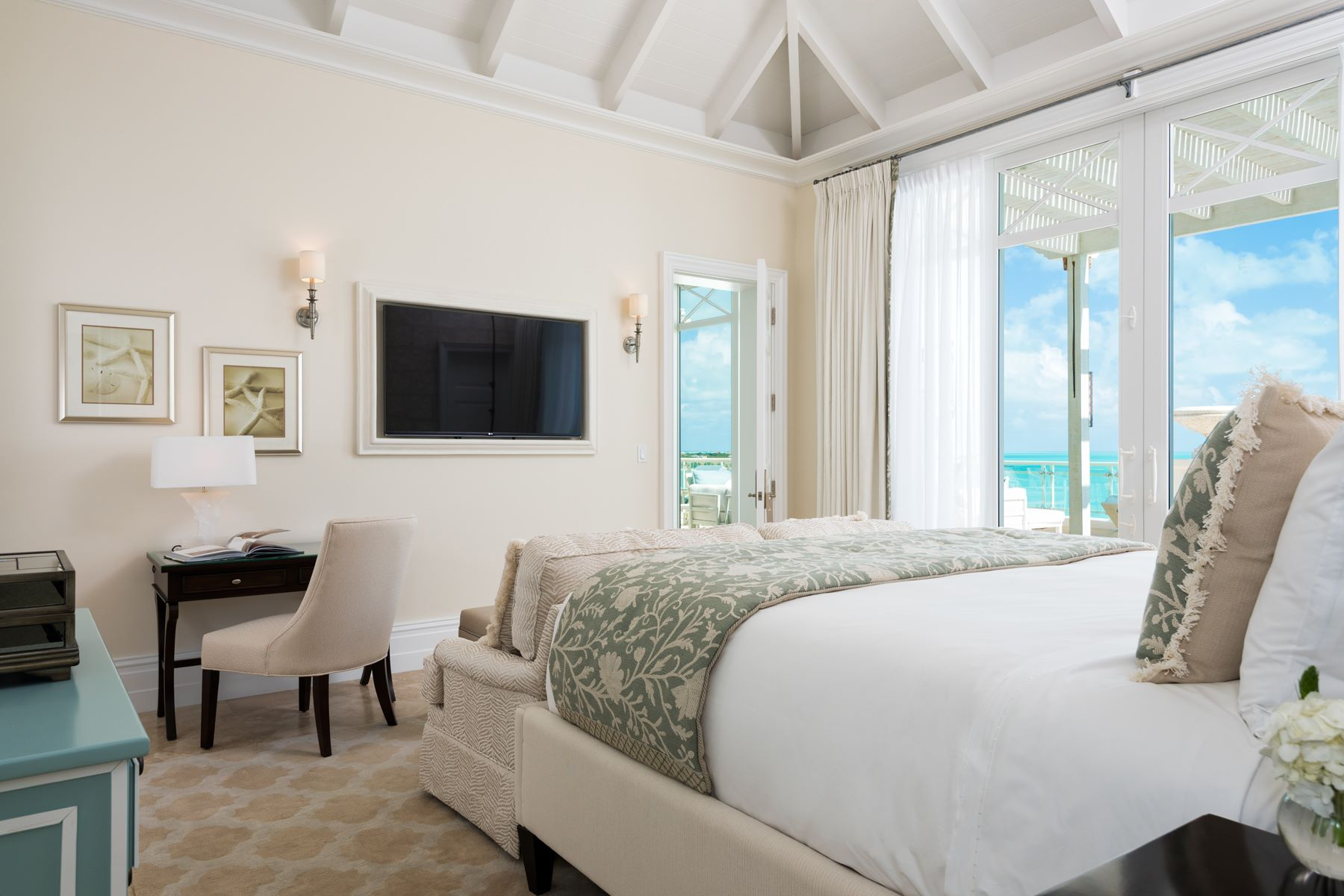 Additional photo for property listing at The Shore Club ~ Penthouse 1504.06.09 The Shore Club, Penthouse 1504.06.09 Long Bay, Providenciales TKCA 1ZZ Turks And Caicos Islands