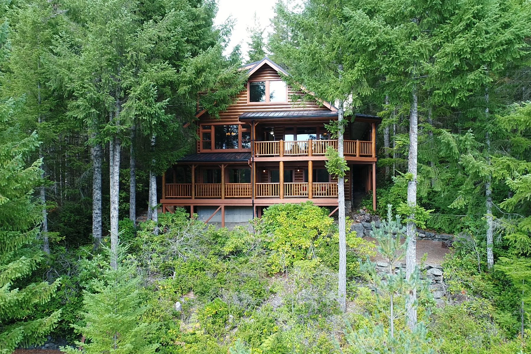 Single Family Home for Sale at Lakeside Cabin 370 Windflower Way Tahuya, Washington 98588 United States