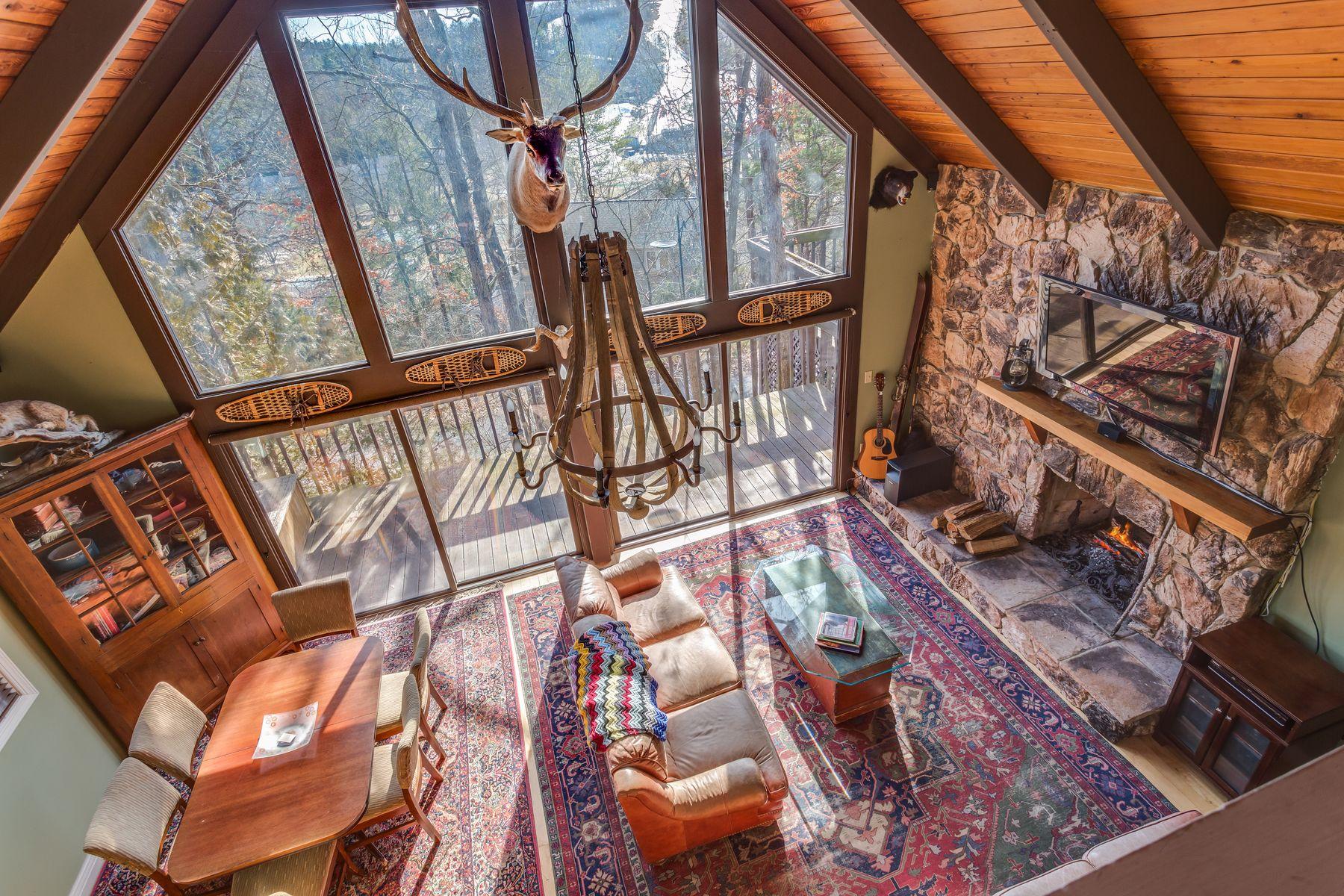 Einfamilienhaus für Verkauf beim Mosby Hill Lodge 83 Mosby Road Basye, Virginia 22810 Vereinigte Staaten