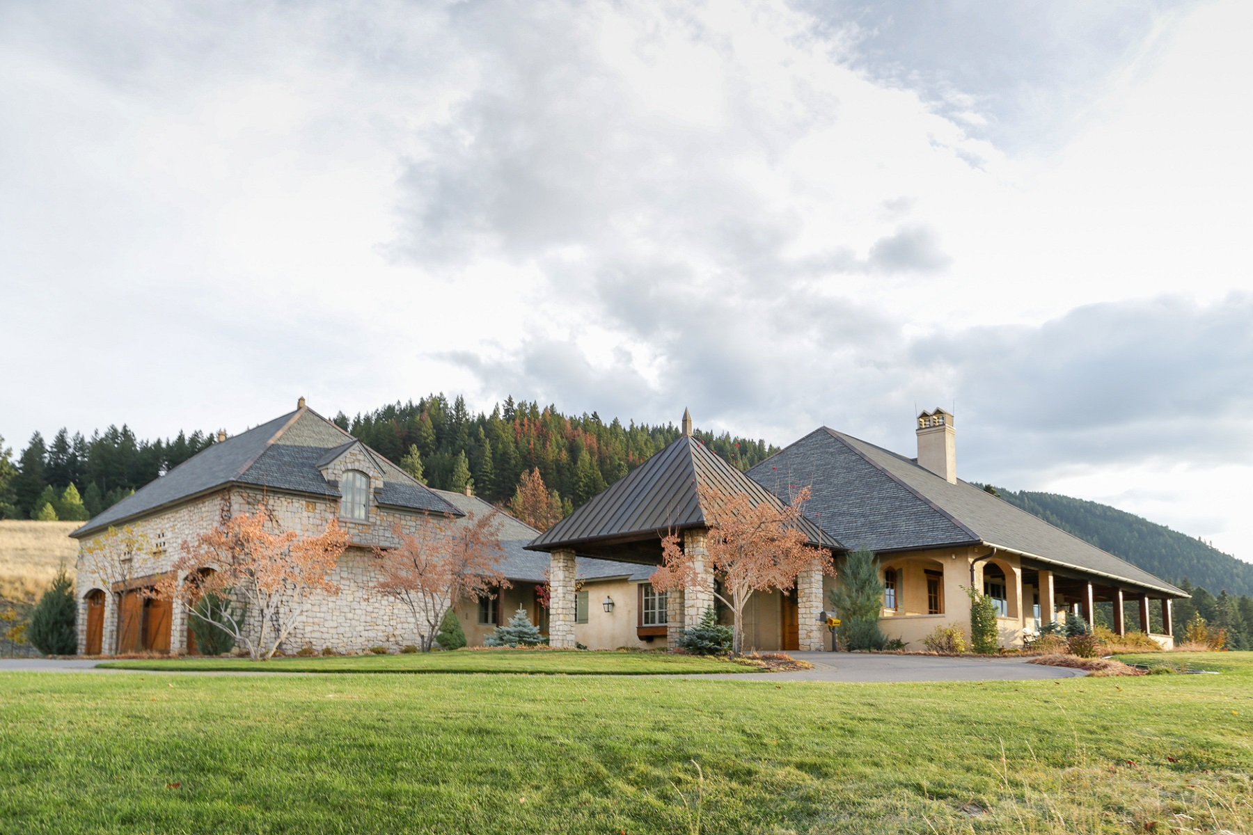 独户住宅 为 销售 在 2761 Contour Rd , Missoula, MT 59802 2761 Contour Rd 米苏拉, 蒙大拿州, 59802 美国