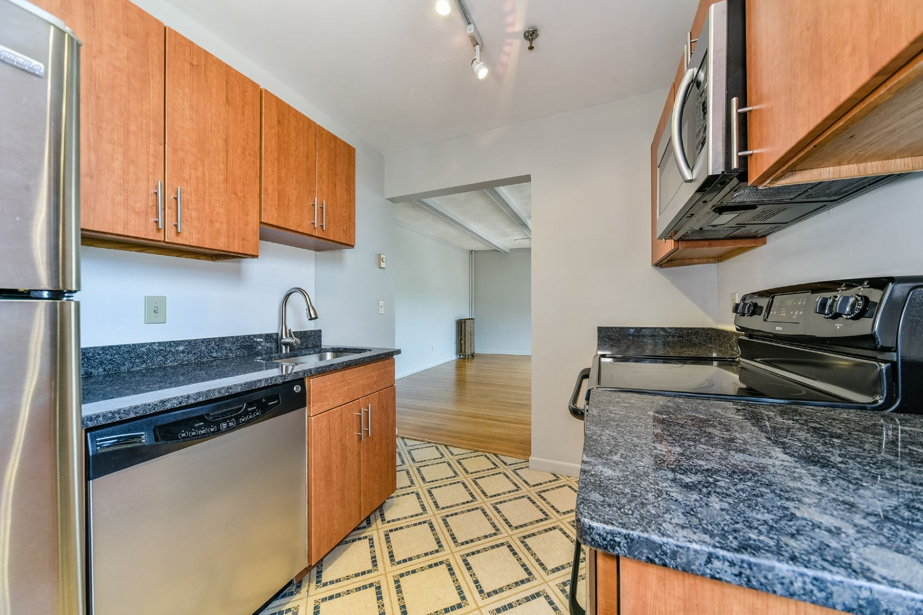 Additional photo for property listing at 1480 Commonwealth Ave 9, Boston 1480 Commonwealth Ave 9 Boston, Massachusetts 02135 United States