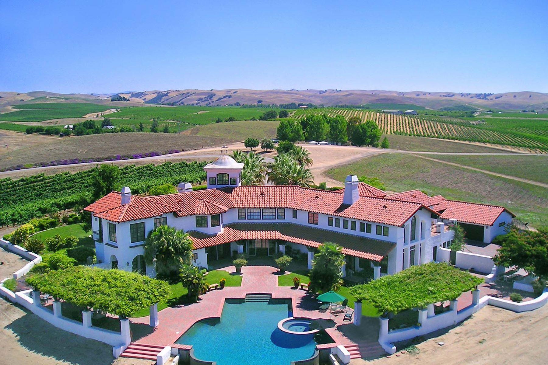 Terrain pour l Vente à Breathtaking Vineyard Villa 6585 Von Dollen Rd. San Miguel, Californie, 93451 États-Unis