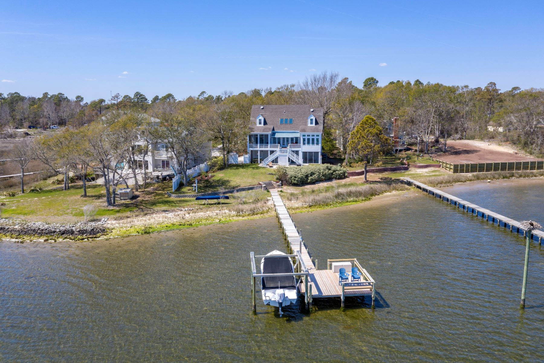 Single Family Home for Active at Custom Dream Home with Incredible Views 1027 Chadwick Shores Drive Sneads Ferry, North Carolina 28460 United States