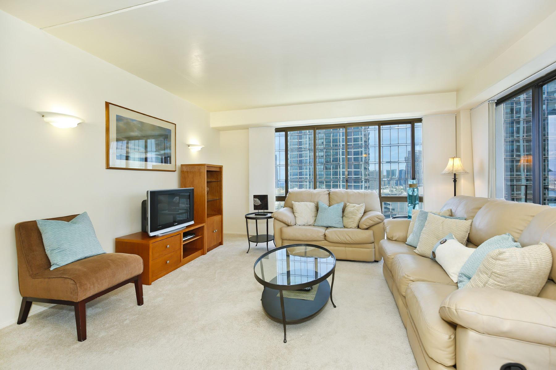 Condominium for Sale at Aloha Tower Views 700 Richards Street #1704 Honolulu, Hawaii 96813 United States
