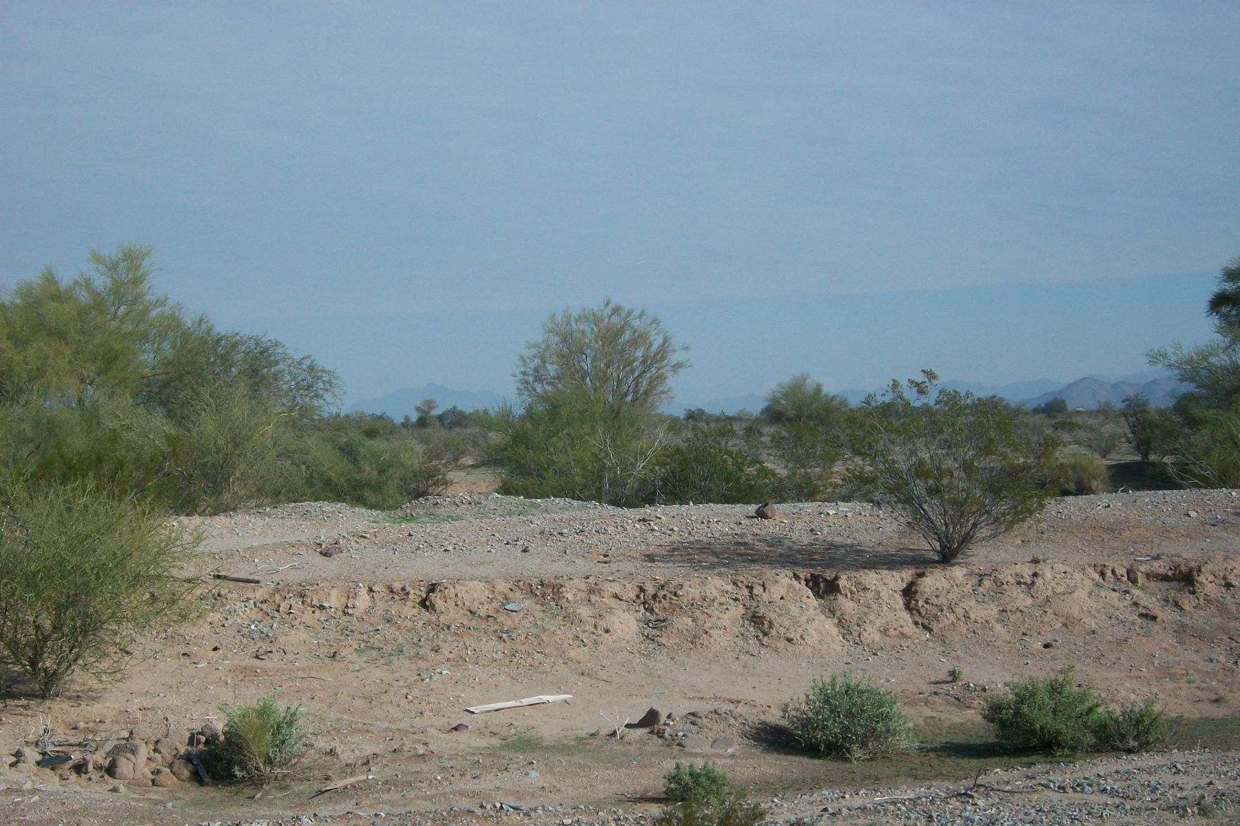 Land for Active at Lovely property in a zoned residential rural 0 E ADOBE RANCH -- 1 Gila Bend, Arizona 85337 United States