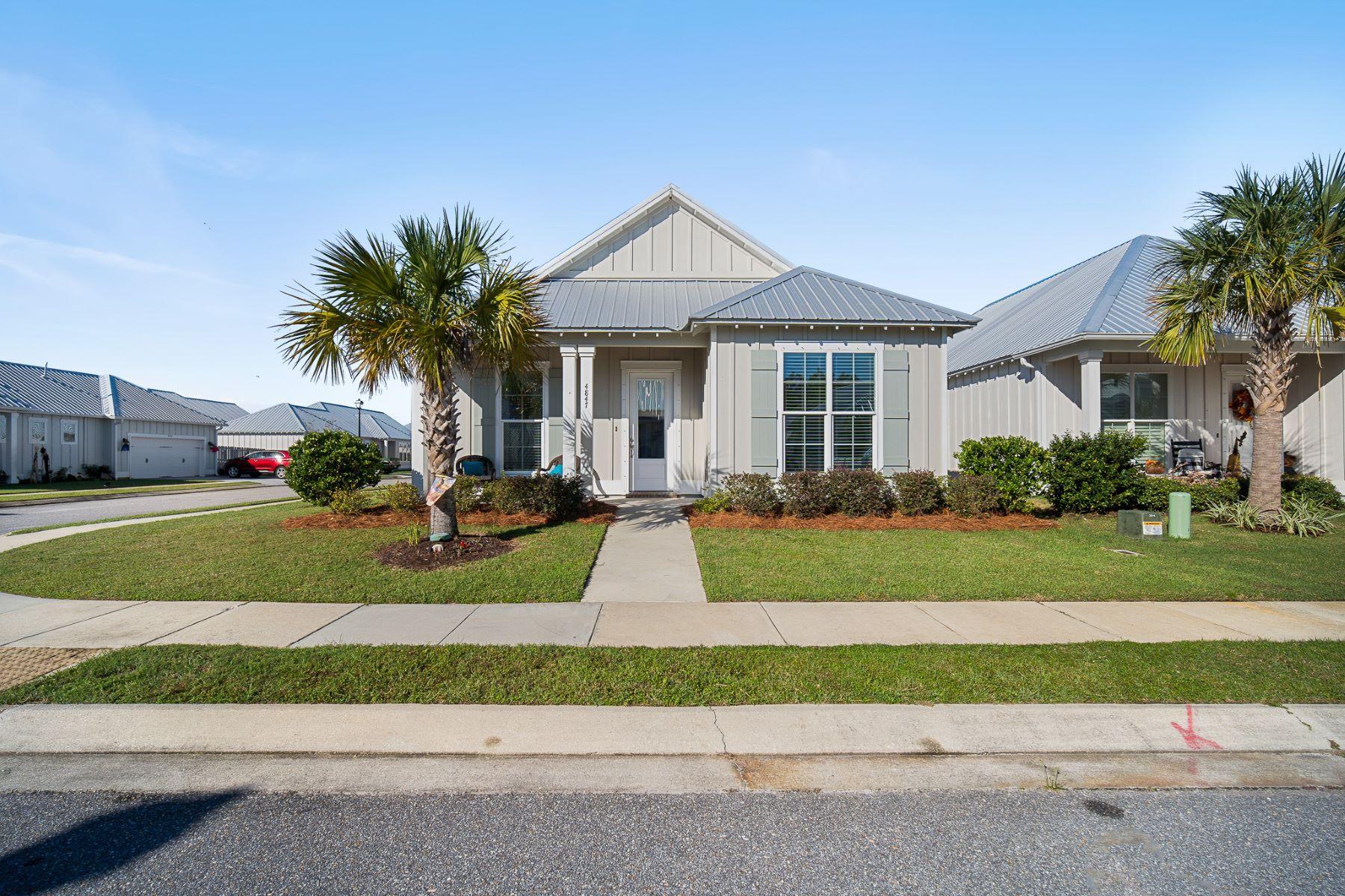Single Family Homes por un Venta en Cypress Village 4847 Cypress Loop Orange Beach, Alabama 36561 Estados Unidos