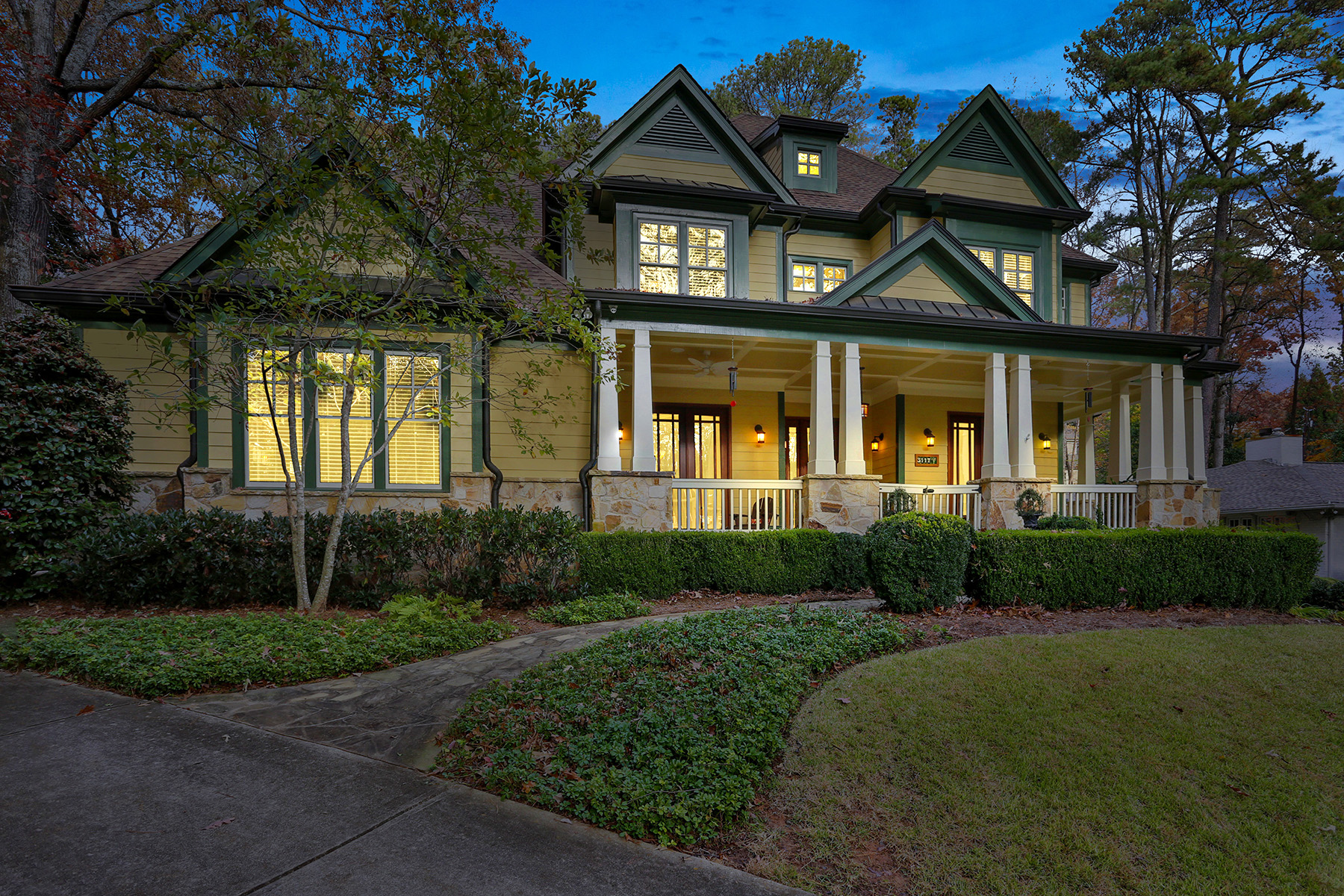Single Family Home for Sale at Beautiful Craftsman in the Heart of Pine Hills, Buckhead 3117 W Roxboro Road NE Atlanta, Georgia 30324 United States