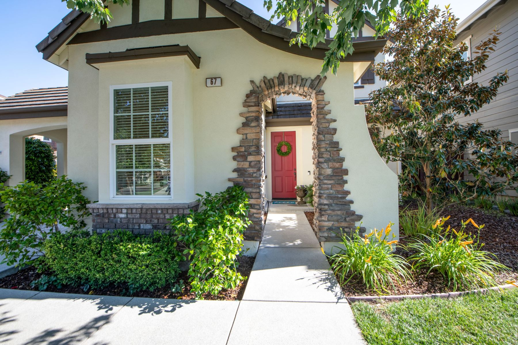 Single Family Homes for Active at Excellent Location in Pointe Marin 67 Oak Grove Drive Novato, California 94949 United States