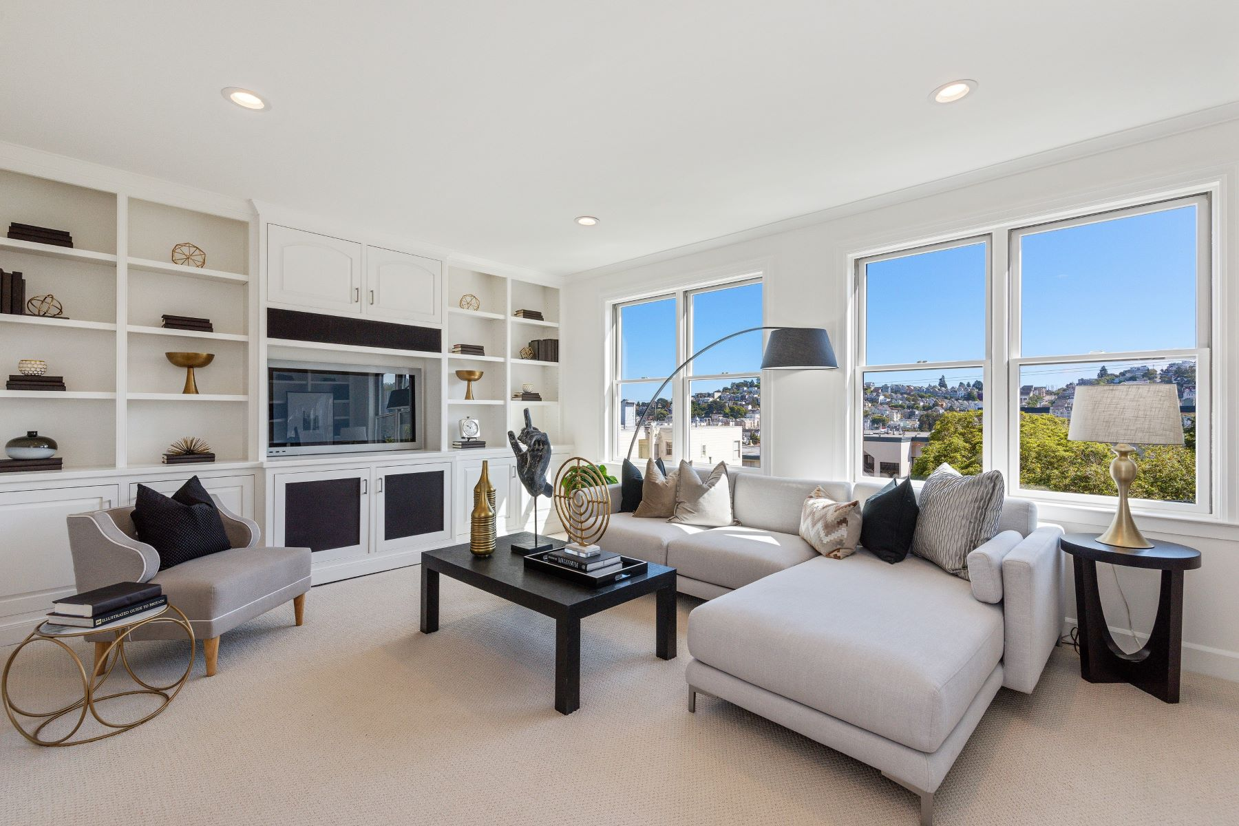 Condominiums for Active at Sunny and Spacious Mediterranean Style home in Corona Heights 42 States St San Francisco, California 94114 United States