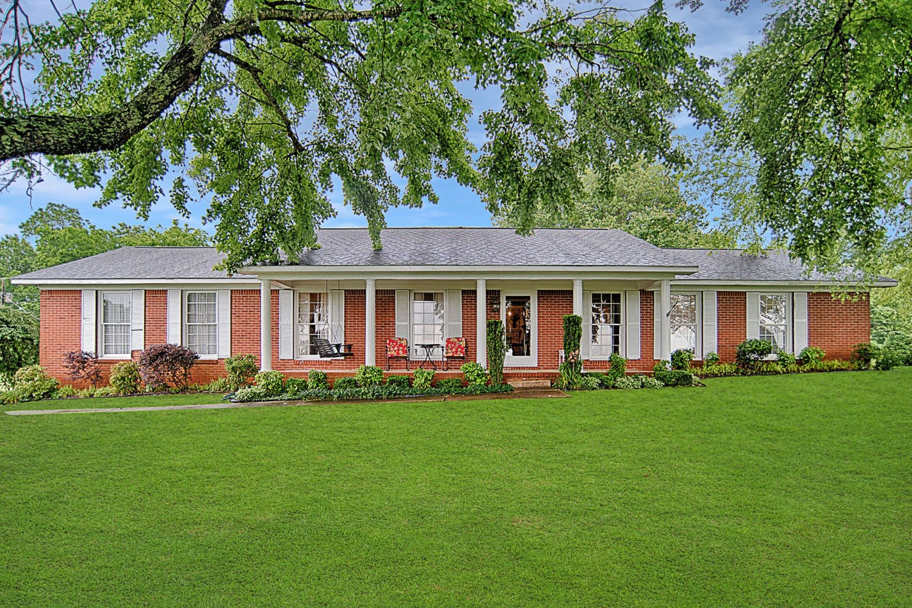 single family homes for Sale at Stunning View 69 Orchard Hill Road Fayetteville, Tennessee 37334 United States