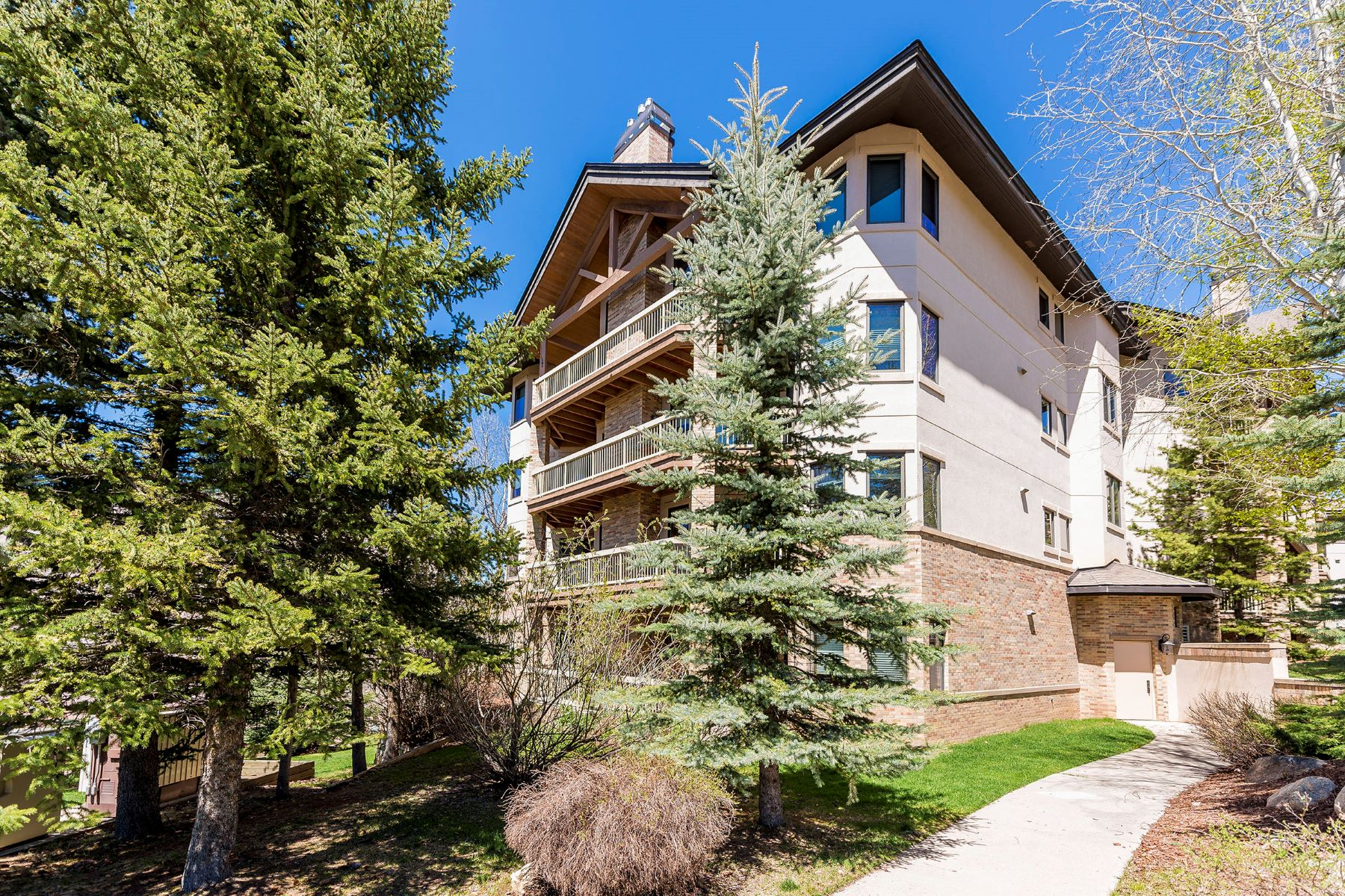 Condominium for Sale at Chateau Chamonix Ski-In Luxury 2340 Apres Ski Way C325 Steamboat Springs, Colorado 80487 United States
