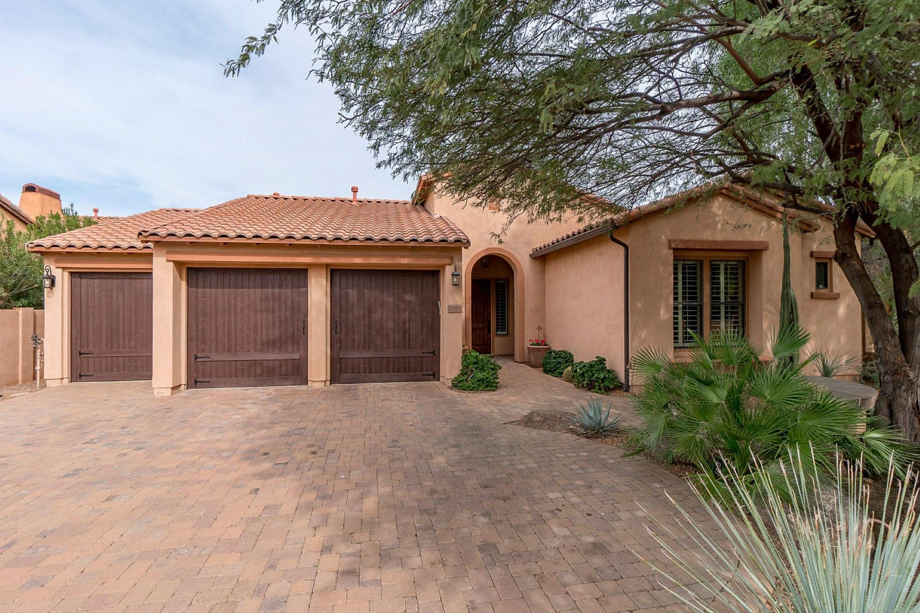 Vivienda unifamiliar por un Venta en Beautiful Scottsdale home in Villa de Sorano 17809 N 57th Pl Scottsdale, Arizona, 85254 Estados Unidos