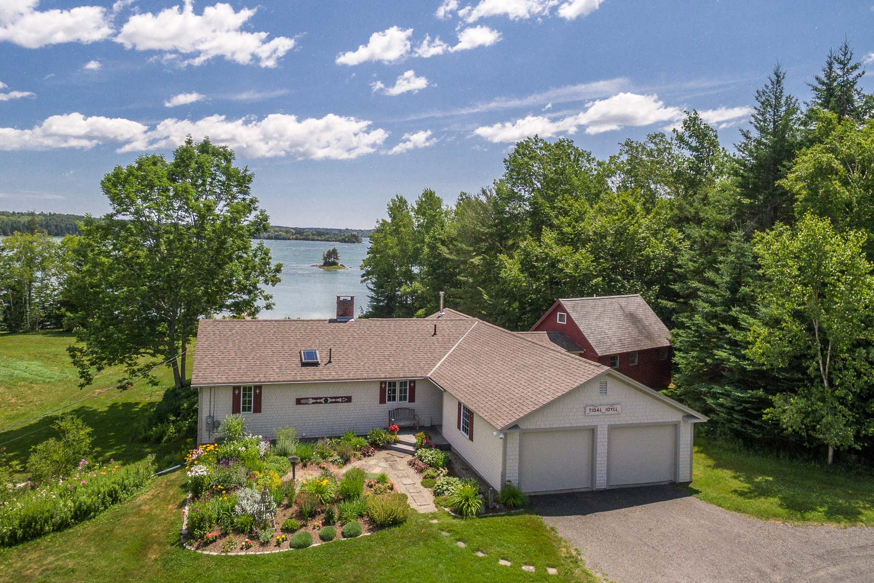 Single Family Home for Sale at 674 Pleasant Point Road Cushing, Maine 04563 United States