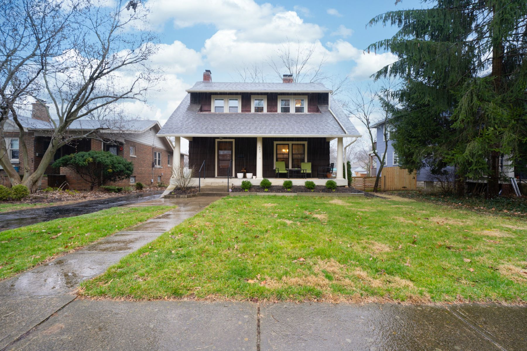 Single Family Homes 为 销售 在 842 Pleasant Ridge Avenue 贝克斯利, 俄亥俄州 43209 美国