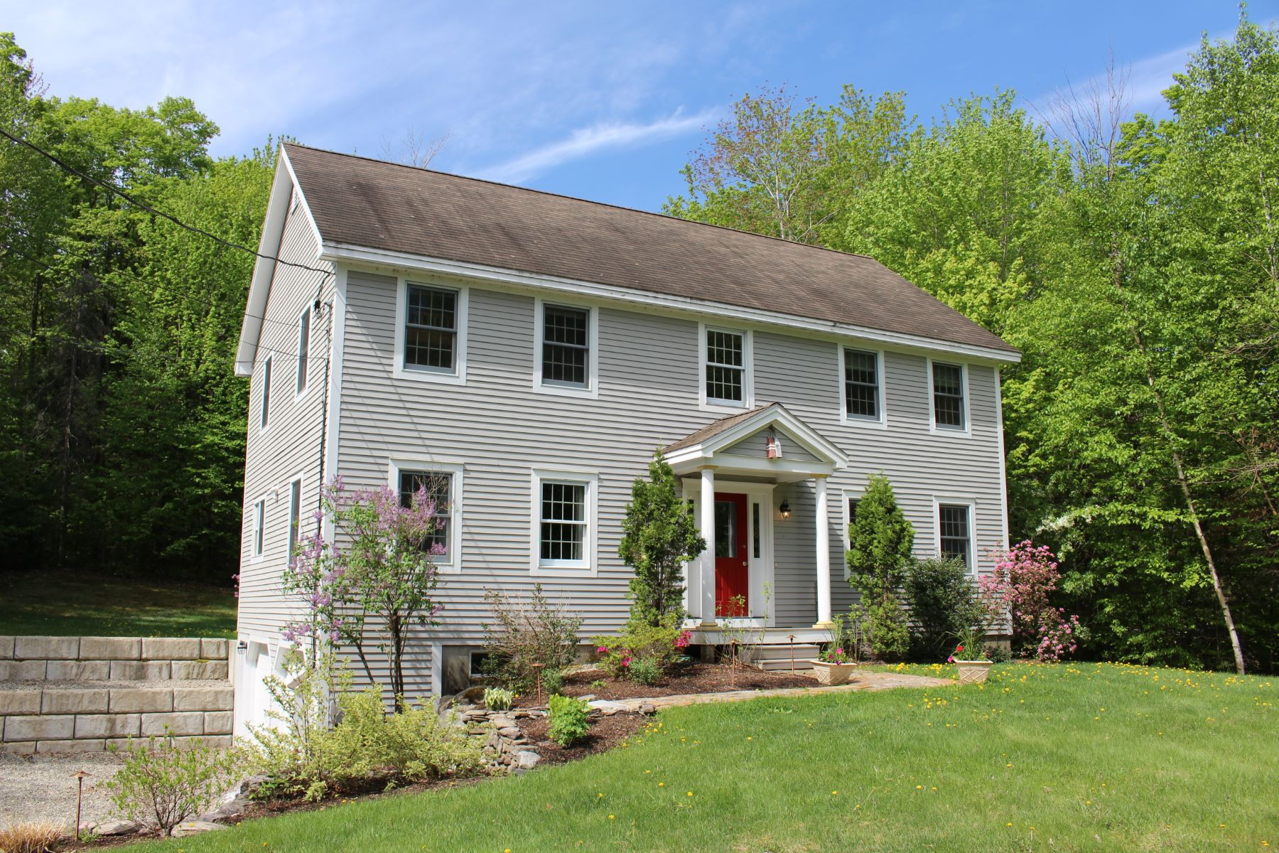 Single Family Home for Sale at Charming New London Colonial 89 Northwood Ln New London, New Hampshire 03257 United States
