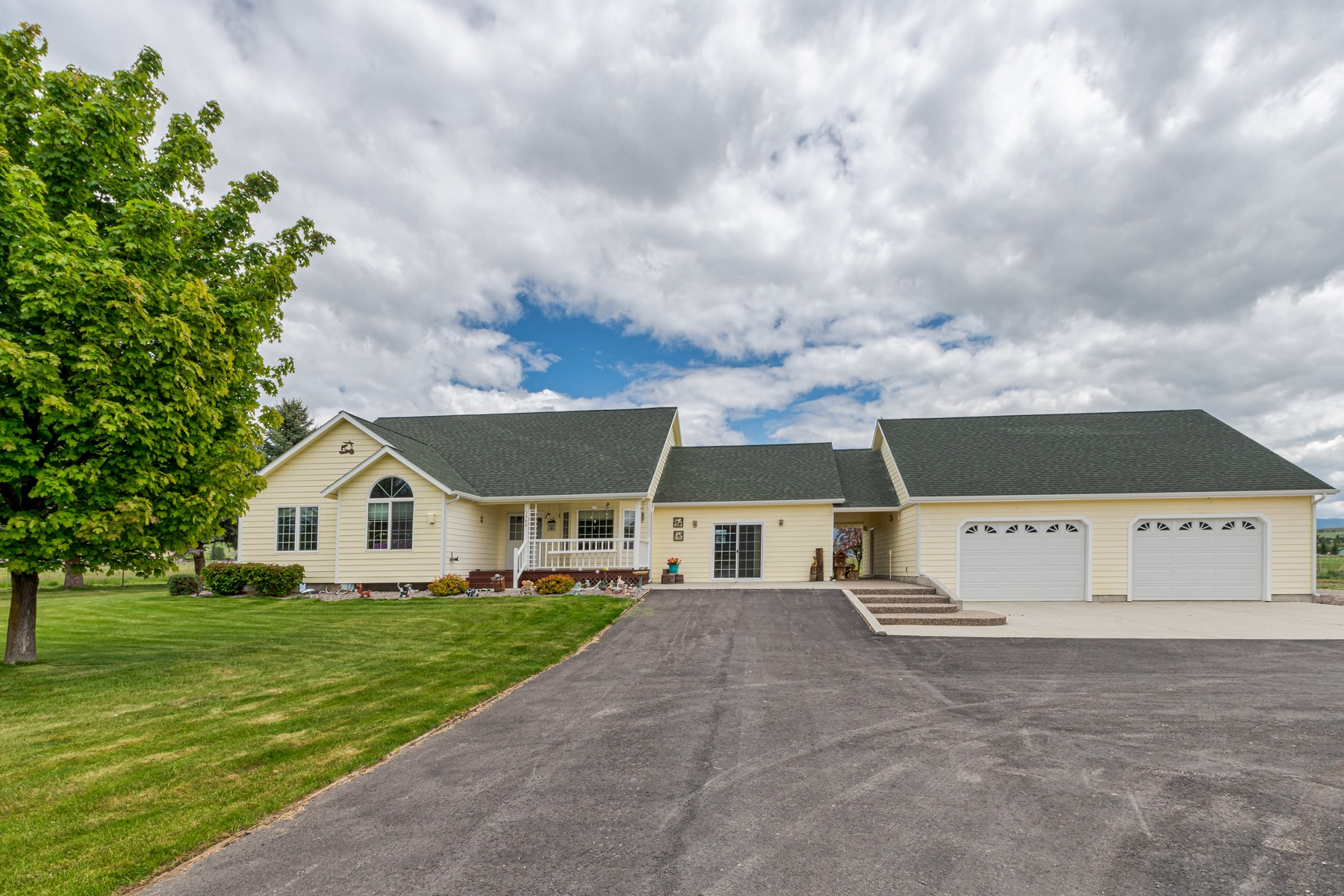 Single Family Homes for Sale at 5580 Riverview Drive Florence, Montana 59833 United States