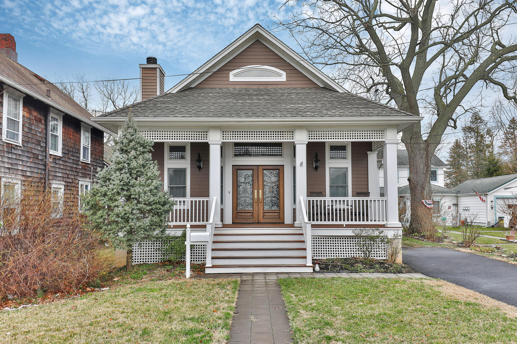 Single Family Home for Sale at Charming Custom Home 17 Central Avenue Manasquan, New Jersey, 08736 United States