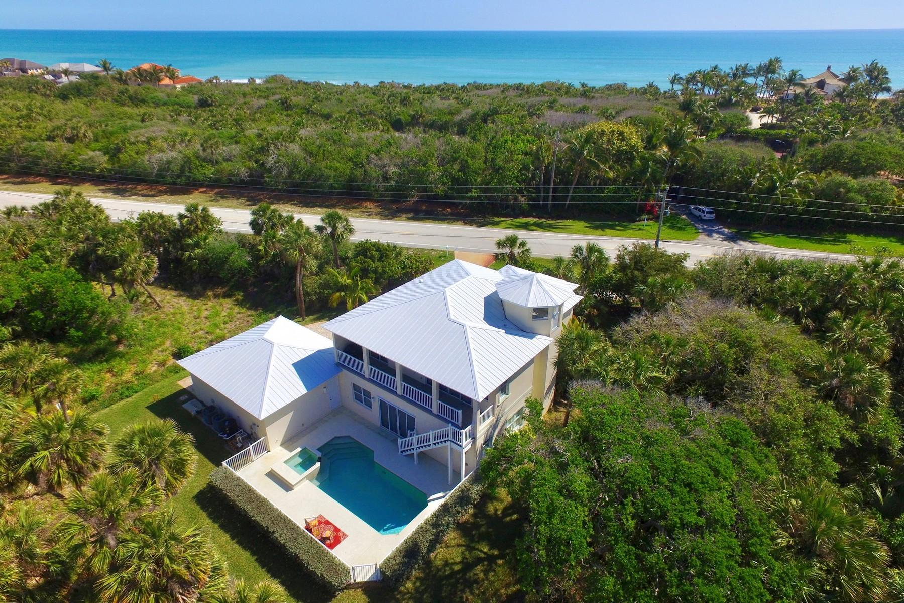 独户住宅 为 销售 在 Exceptional Home Steps to Ocean 11699 Highway A1A 维罗海滩, 佛罗里达州, 32963 美国
