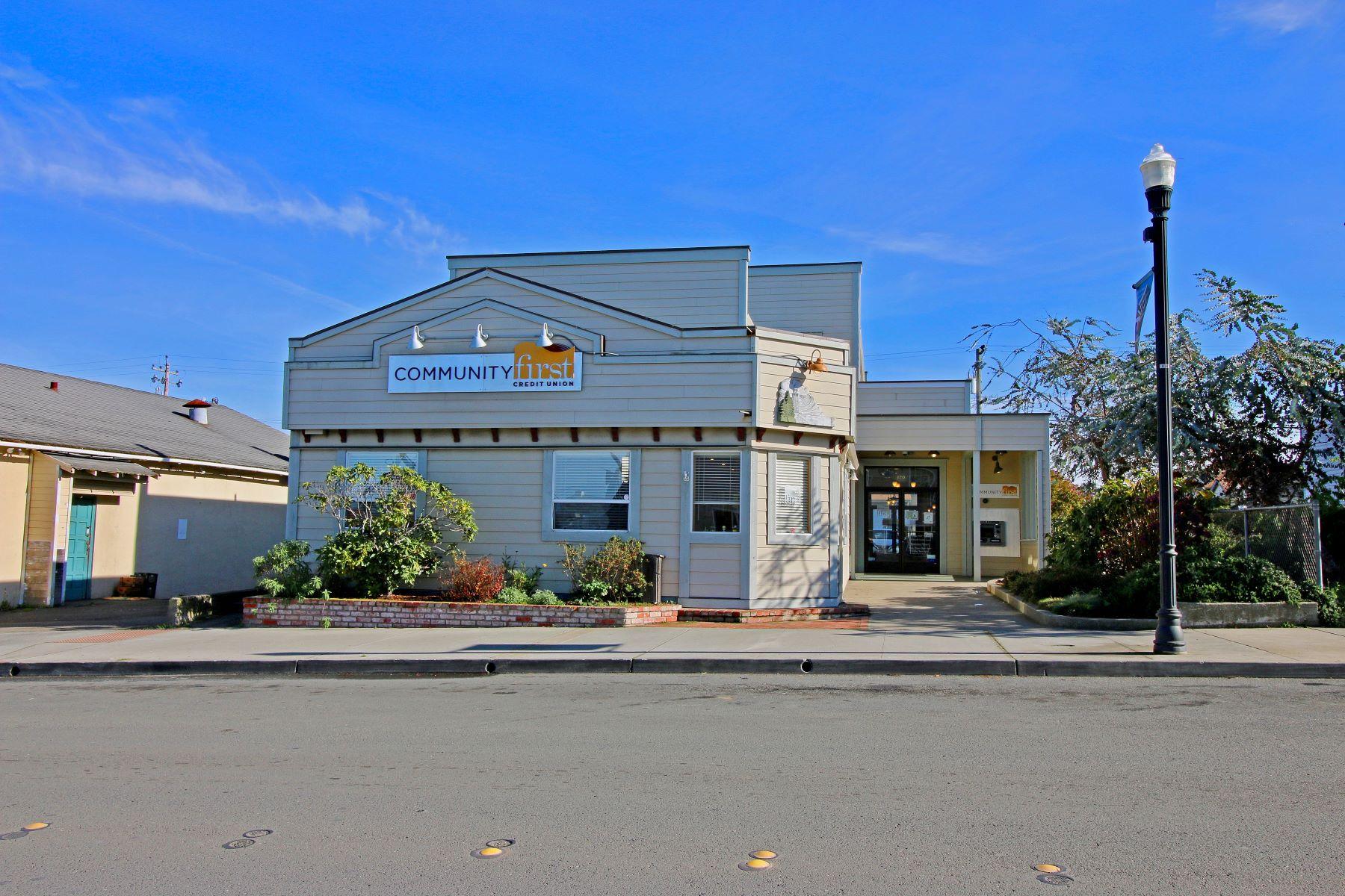商用 为 销售 在 Great Commercial Opportunity 120 N Franklin Street Fort Bragg, 加利福尼亚州 95437 美国