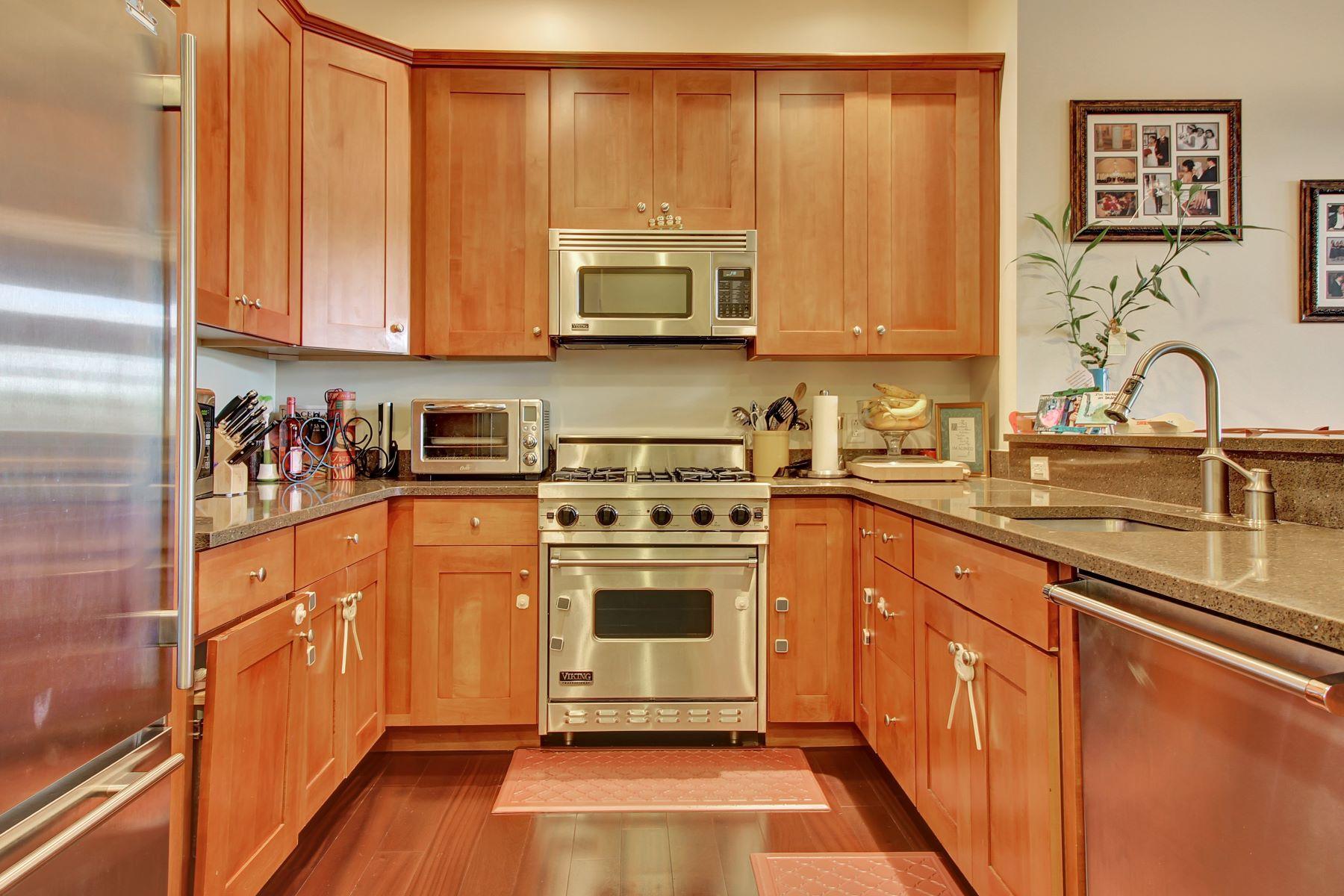 شقة بعمارة للـ Sale في Discover Pure Luxury 7400 River Road #108 North Bergen, New Jersey, 07047 United States
