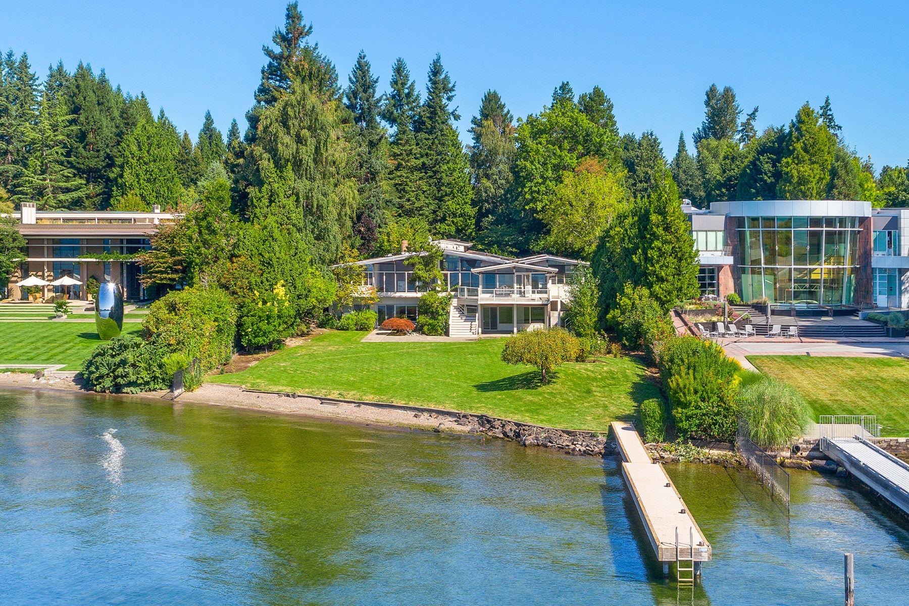 Additional photo for property listing at Medina's Gold Coast 7935 Overlake Dr. W 麦地那市, 华盛顿州 98039 美国