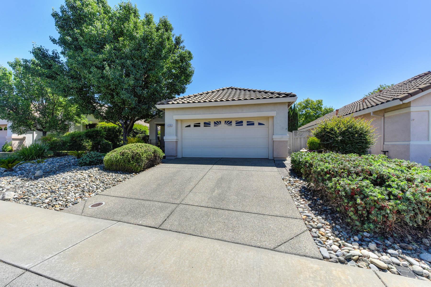 Single Family Homes for Sale at 4106 Sylvan Glenn Ln, Roseville, CA 95747 4106 Sylvan Glenn Ln Roseville, California 95747 United States