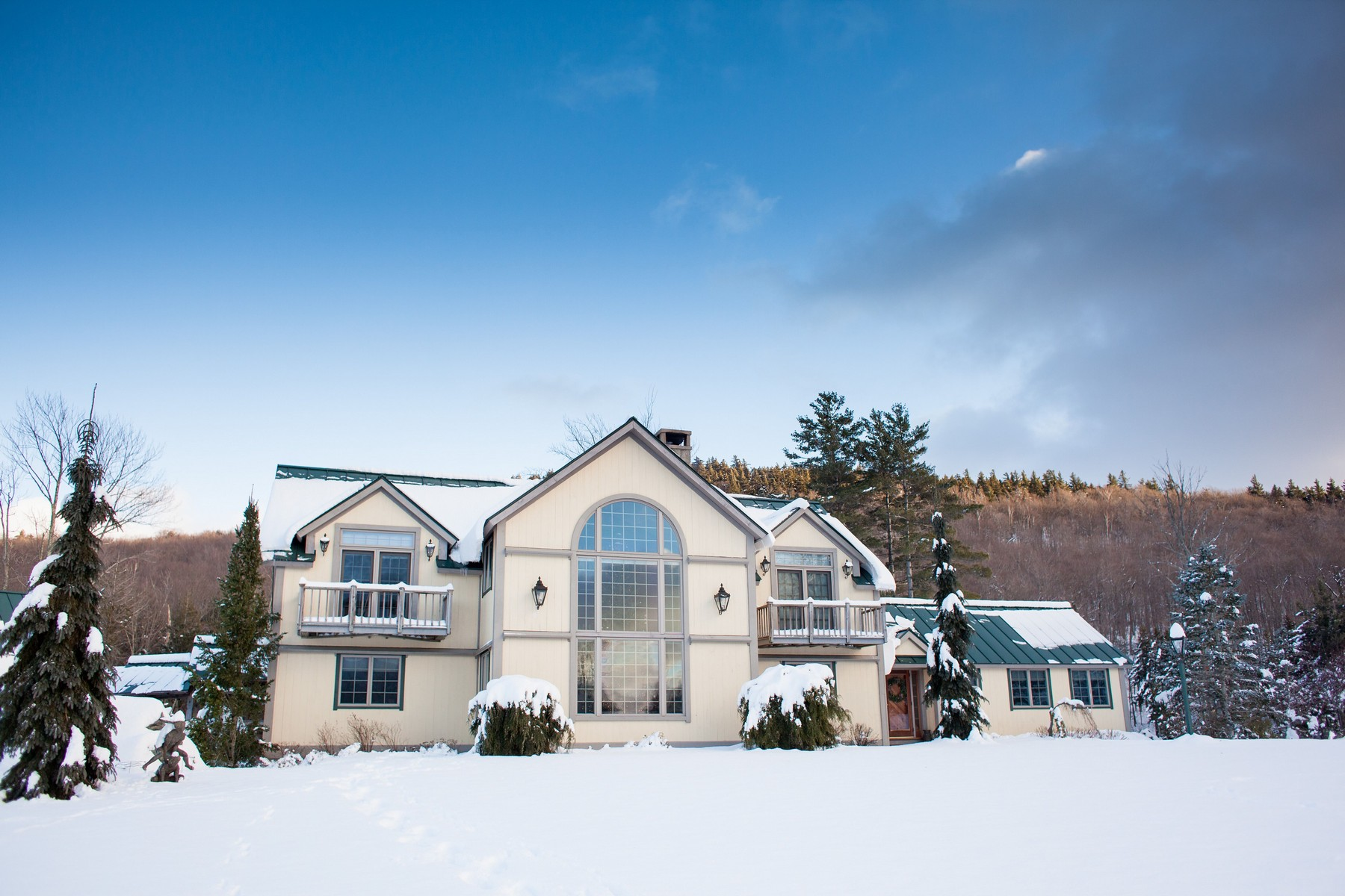 Single Family Homes for Sale at 1418 West Jamaica Road Jamaica, Vermont 05343 United States