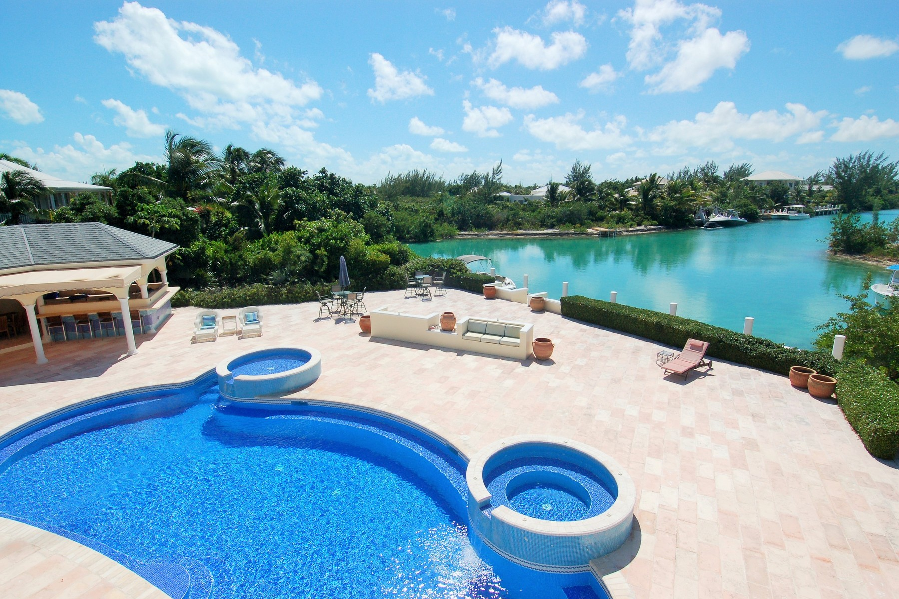 Additional photo for property listing at Rafters Leeward, Providenciales Turks And Caicos Islands