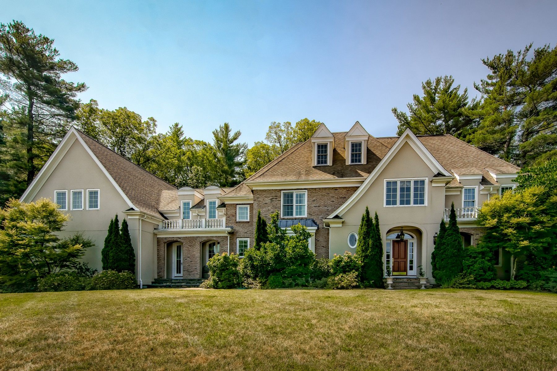 Single Family Homes pour l Vente à A Consummate Luxury Home 4 Copperbeech Circle Westborough, Massachusetts 01581 États-Unis
