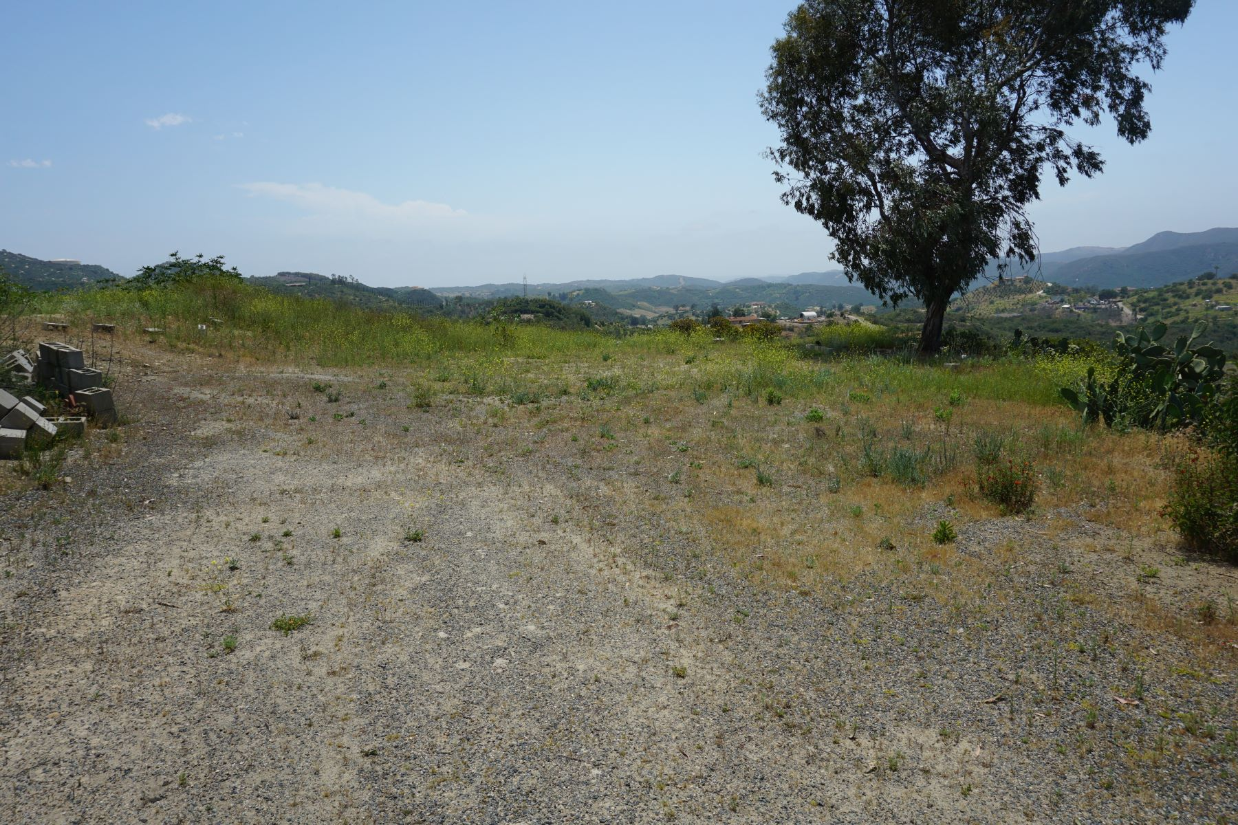 Land for Sale at Lot in Fallbrook with Views! 2251 Glenn Road 08 Fallbrook, California 92028 United States