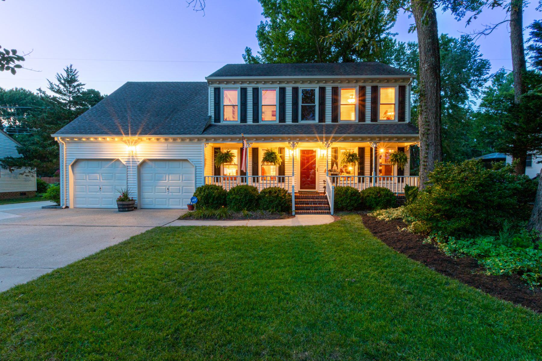 Single Family Homes для того Продажа на ETHERIDGE WOODS 716 Beckley Lane Chesapeake, Виргиния 23322 Соединенные Штаты