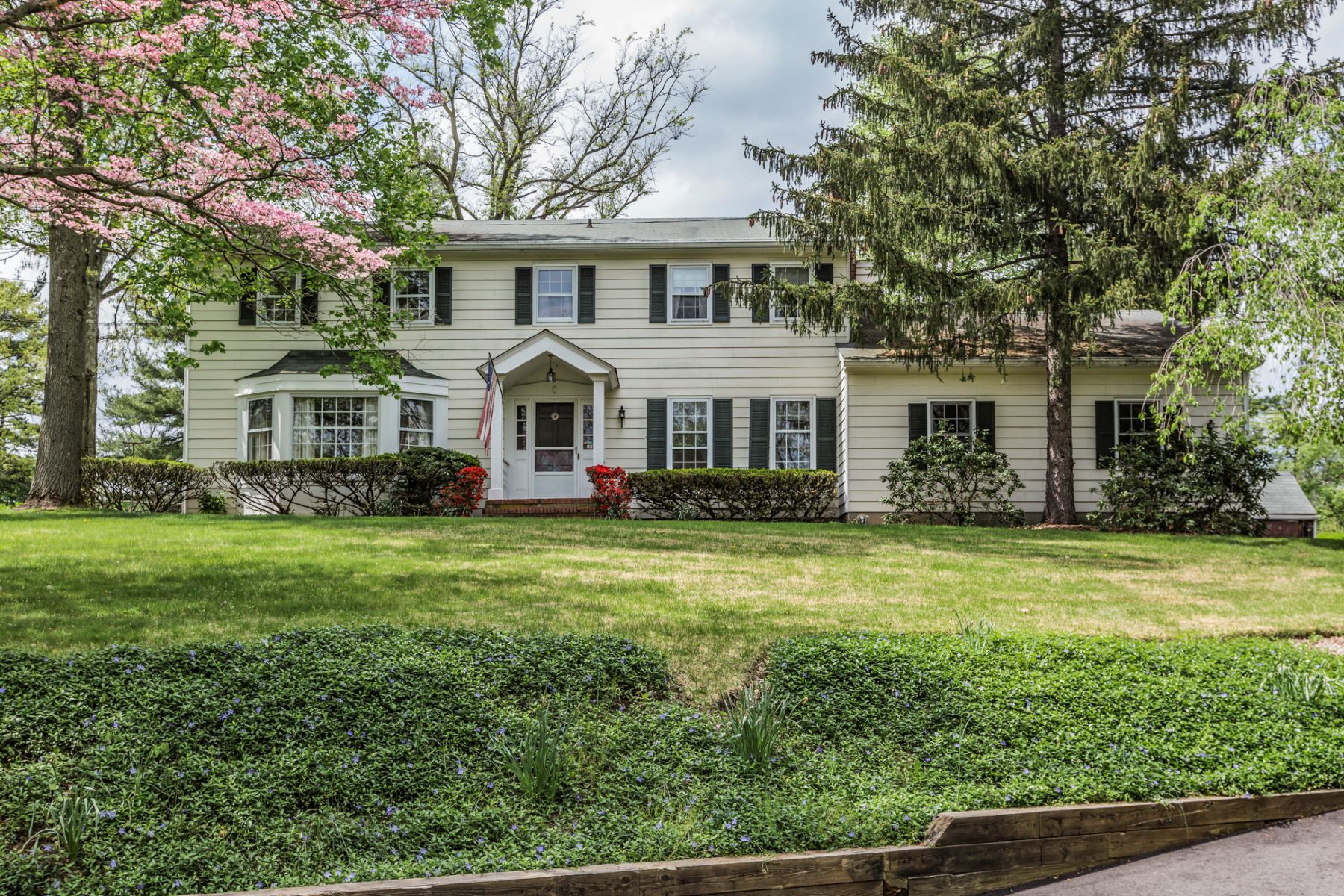 Single Family Home for Sale at A Belle Mead Haven - Montgomery Township 566 River Road Belle Mead, New Jersey, 08502 United States
