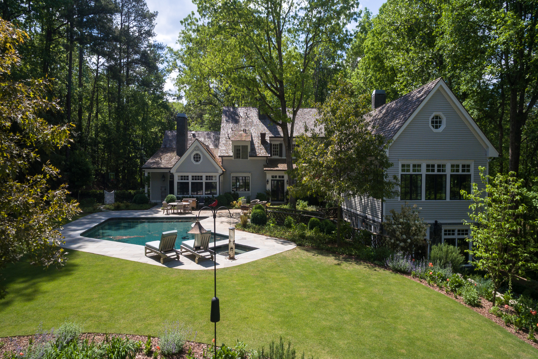 Additional photo for property listing at Amazing 4.86 Acre Estate Property With Lighted Tennis Court And Pool 4000 Conway Valley Road NW Atlanta, Georgia 30327 United States