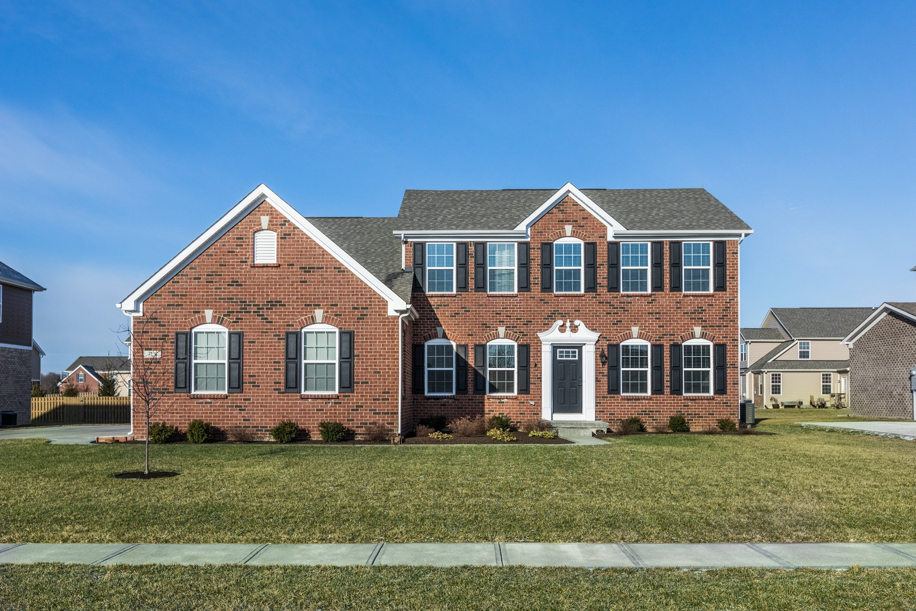 Single Family Home for Sale at Pristine 4 Bedroom Home in Zionsville 3226 Purple Ash Drive Zionsville, Indiana 46077 United States