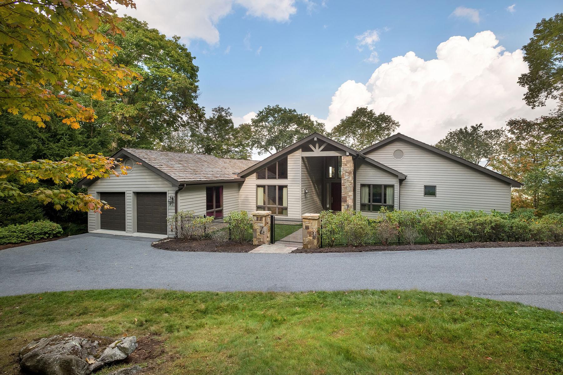 Single Family Homes for Sale at LINVILLE - LINVILLE RIDGE 1020 Ridge Dr Linville, North Carolina 28646 United States