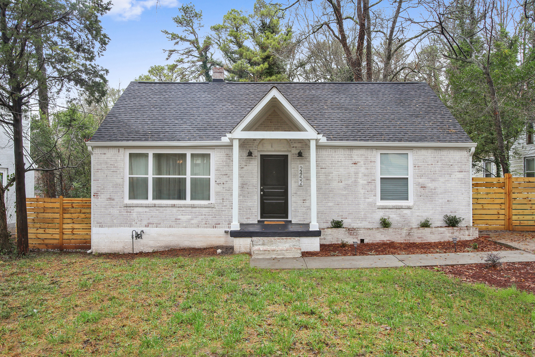 Fully Renovated East Lake Terrace Bungalow 2452 McAfee Road Decatur, Georgia 30032 Stati Uniti