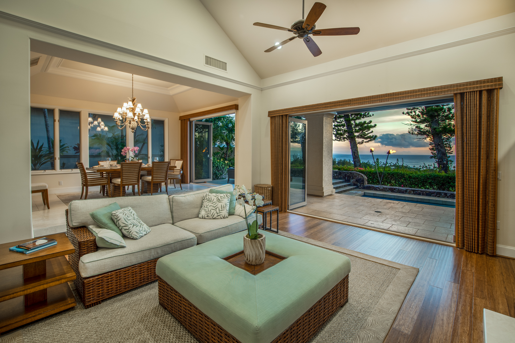 Single Family Homes 용 매매 에 Elegant Fairway 708 Fairway Dr, Kapalua, 하와이 96761 미국