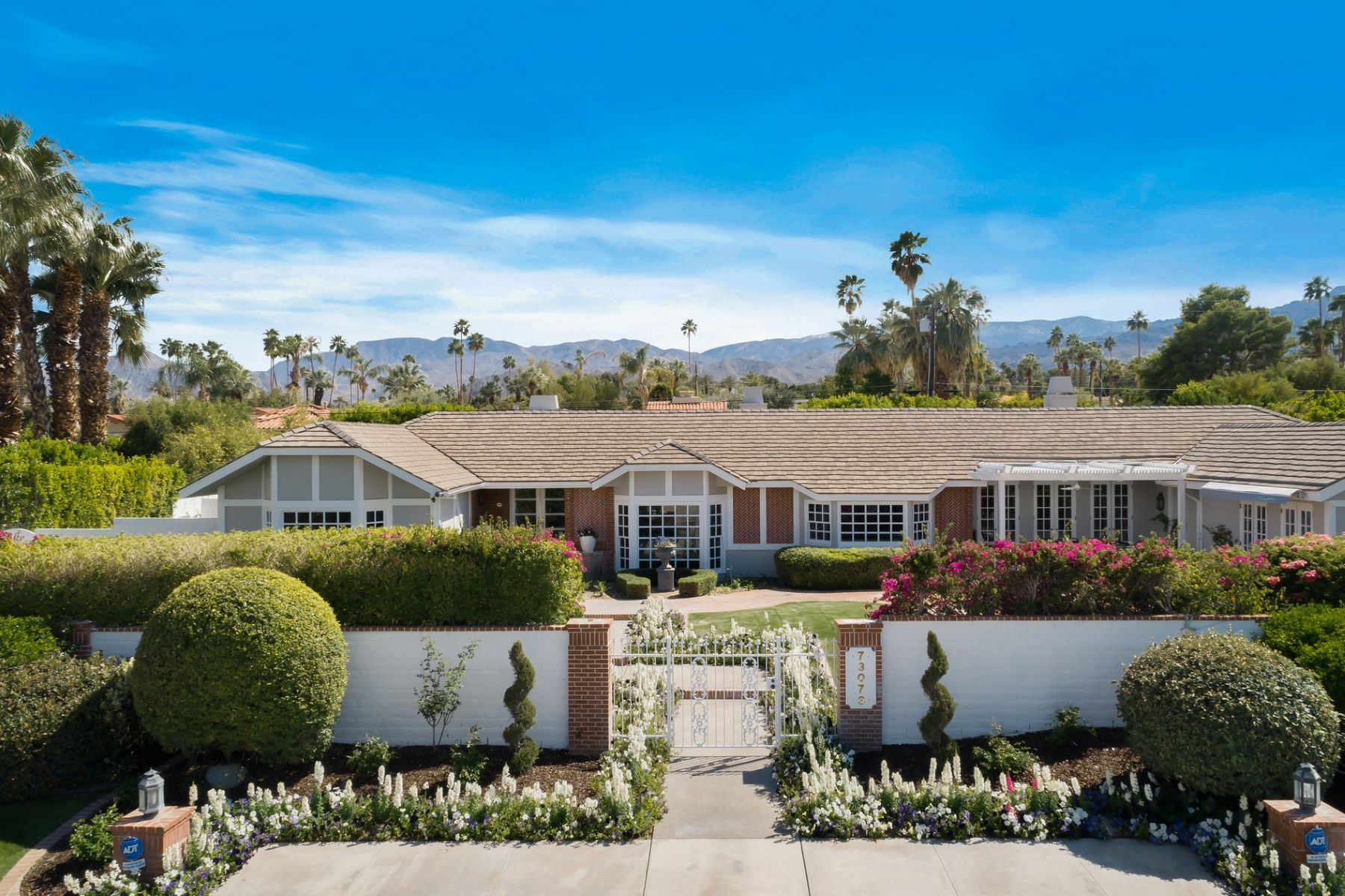 Single Family Homes for Active at 73073 Grapevine Street Palm Desert, California 92260 United States
