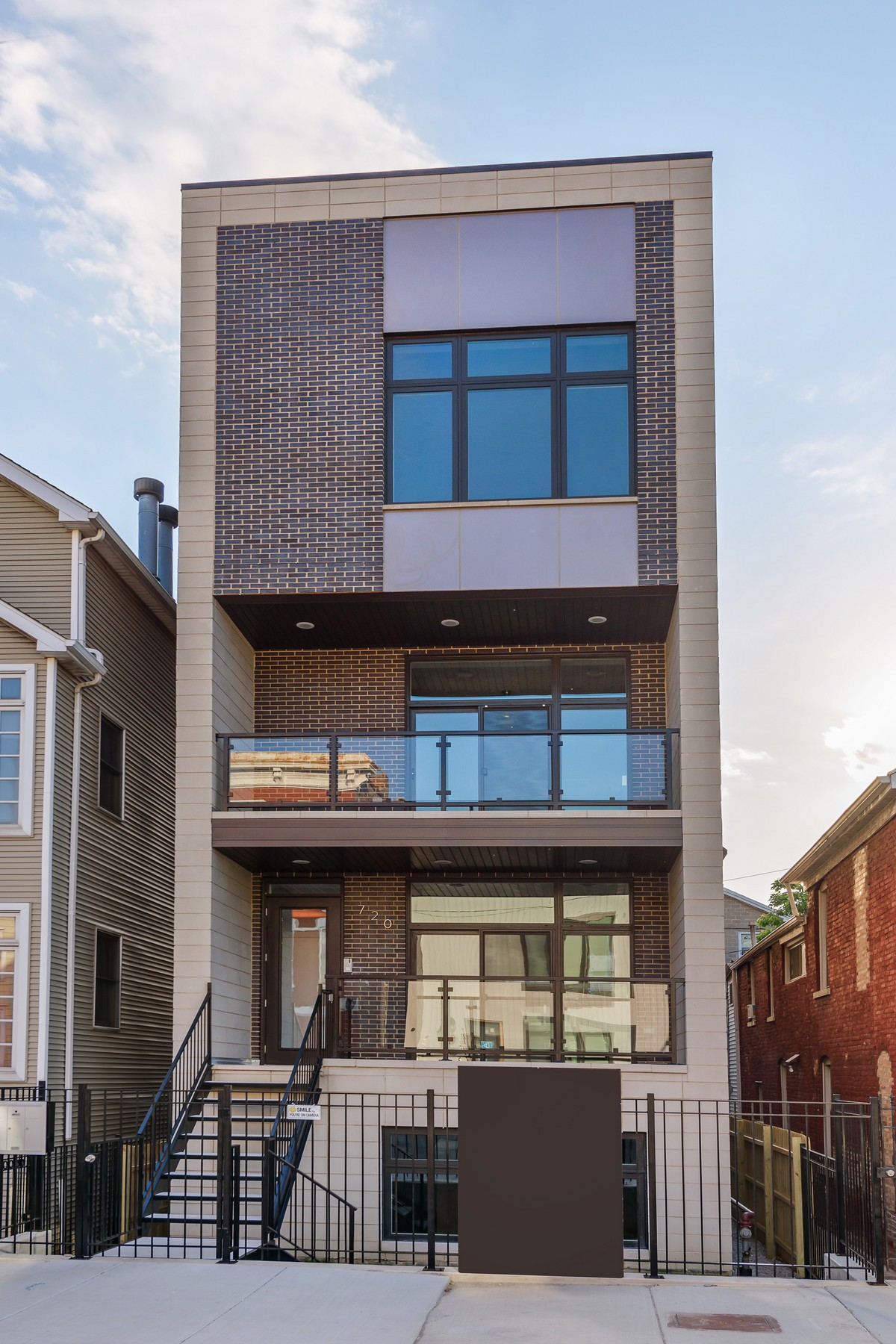 Condominio per Vendita alle ore Beautiful New Construction Duplex-Up Residence 720 N Willard Court, Unit 2 West Town, Chicago, Illinois, 60642 Stati Uniti