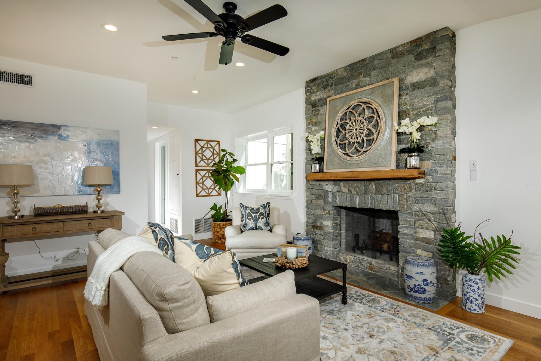 独户住宅 为 销售 在 1485 Summit Avenue 加的夫海, 加利福尼亚州, 92007 美国