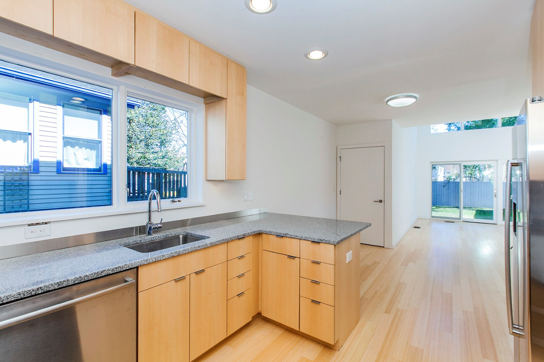 Additional photo for property listing at Stunning Four Story Contemporary 16 Greenview Avenue, Princeton, New Jersey 08542 United States