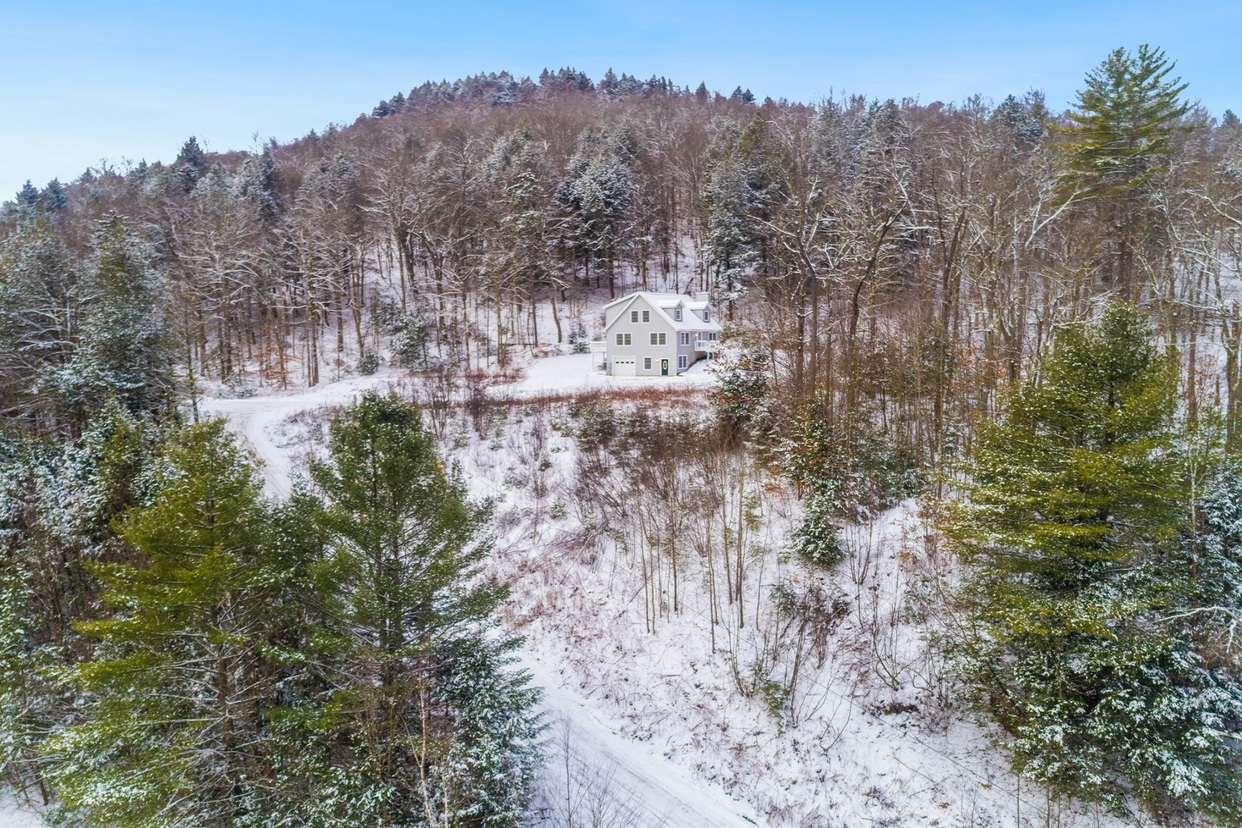 Single Family Homes for Sale at Turn-Key Home 48 Stony Brook Road Stockbridge, Vermont 05772 United States