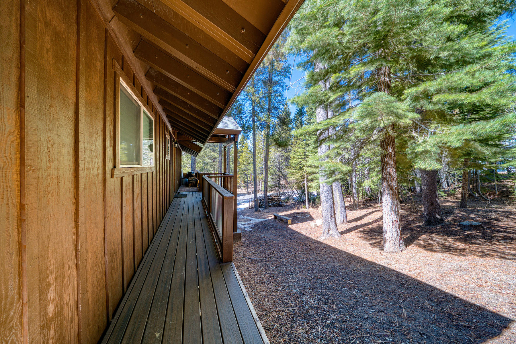 Additional photo for property listing at Stunning South Tahoe Mountain Home 1561 Thunderbird Drive South Lake Tahoe, California 96150 United States
