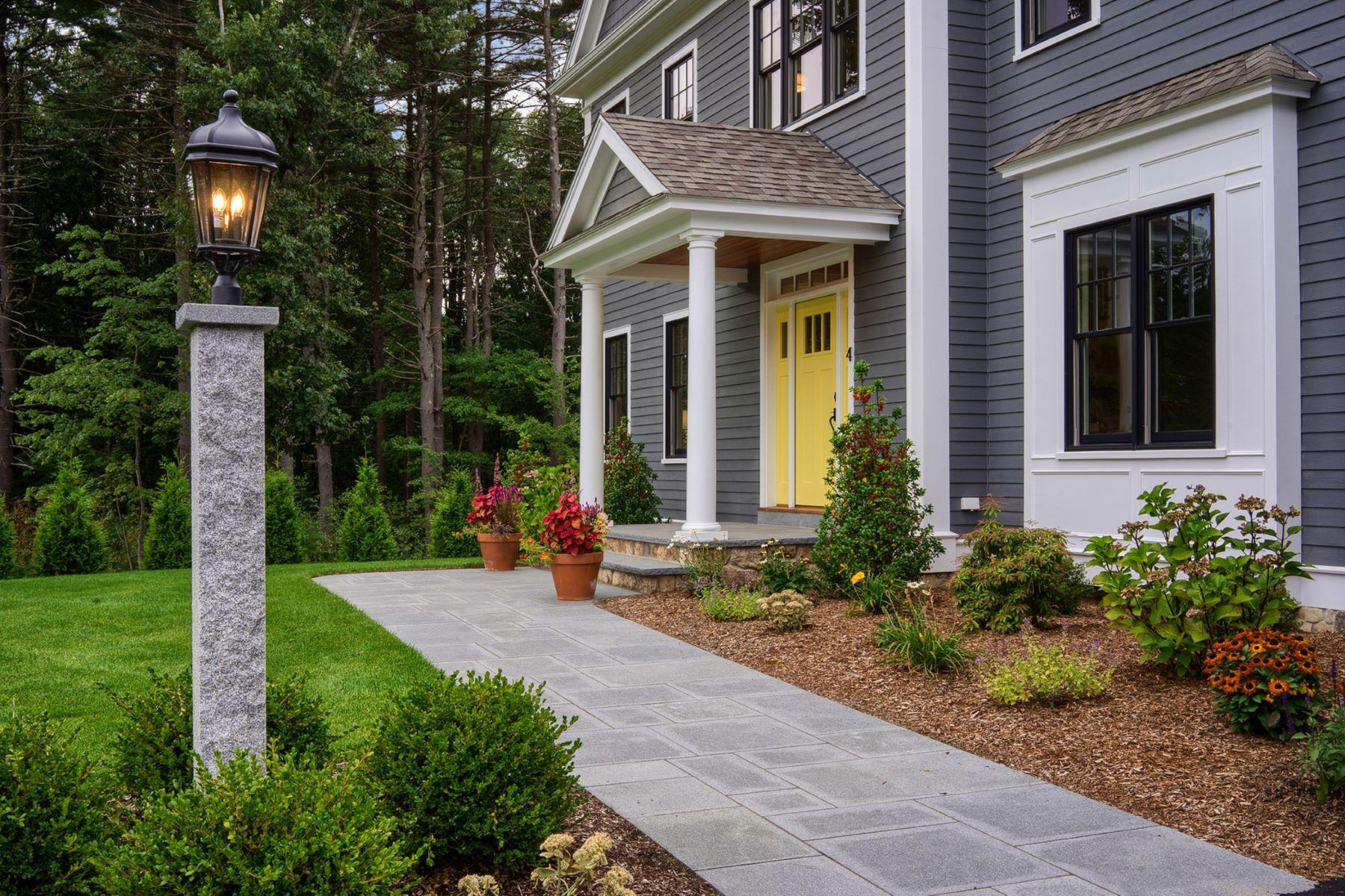 Single Family Homes 为 销售 在 4 Isabella Lane 贝德福德, 马萨诸塞州 01730 美国