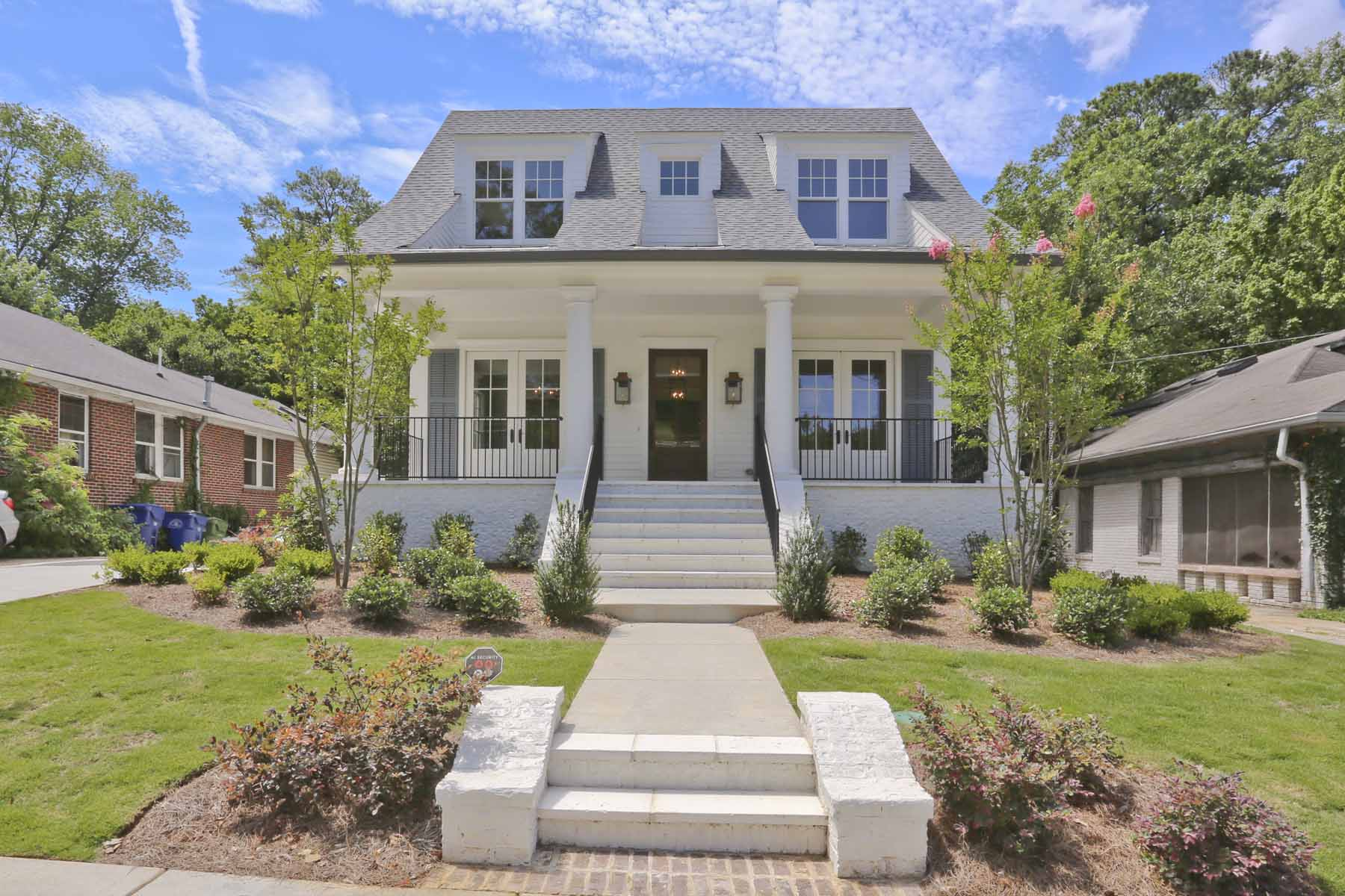 단독 가정 주택 용 매매 에 Newer Construction in Morningside Close to the BeltLine and Piedmont Park 797 Yorkshire Road NE Morningside, Atlanta, 조지아, 30306 미국